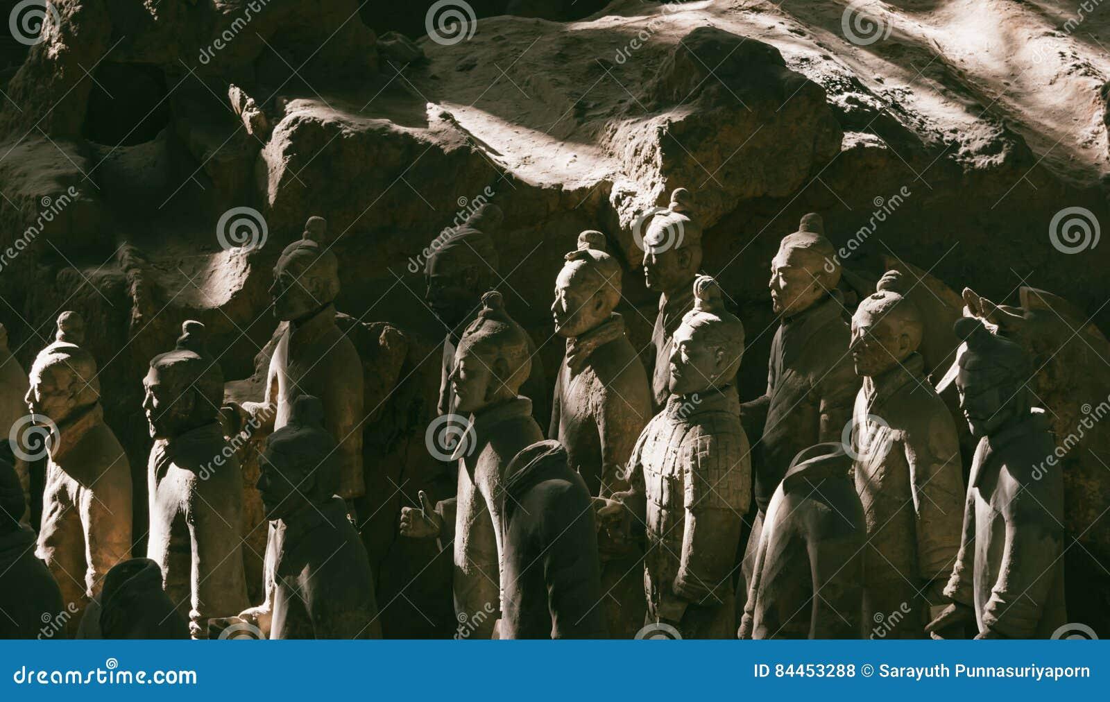 Конец-вверх известной армии терракоты ратников в Xian, Китае