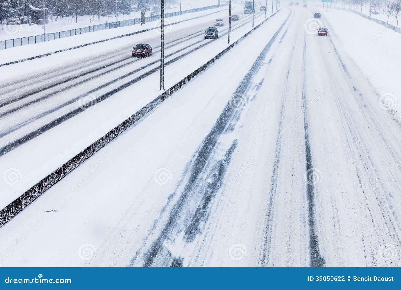 Конец-вверх шоссе Snowy сверху