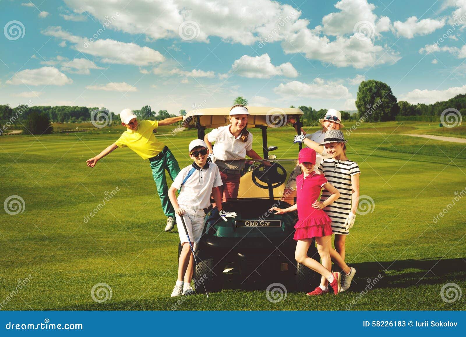 Конкуренция гольфа детей