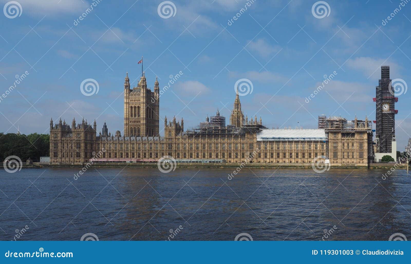 Консервация парламента Великобритании работает в Лондоне