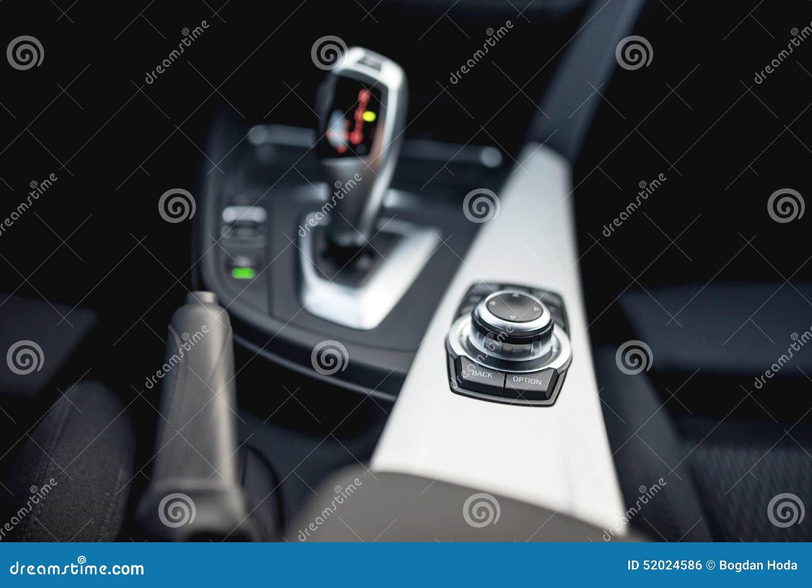 Конструируйте детали минималистских современных автомобильных деталей конца-вверх автоматической передачи и кнопок
