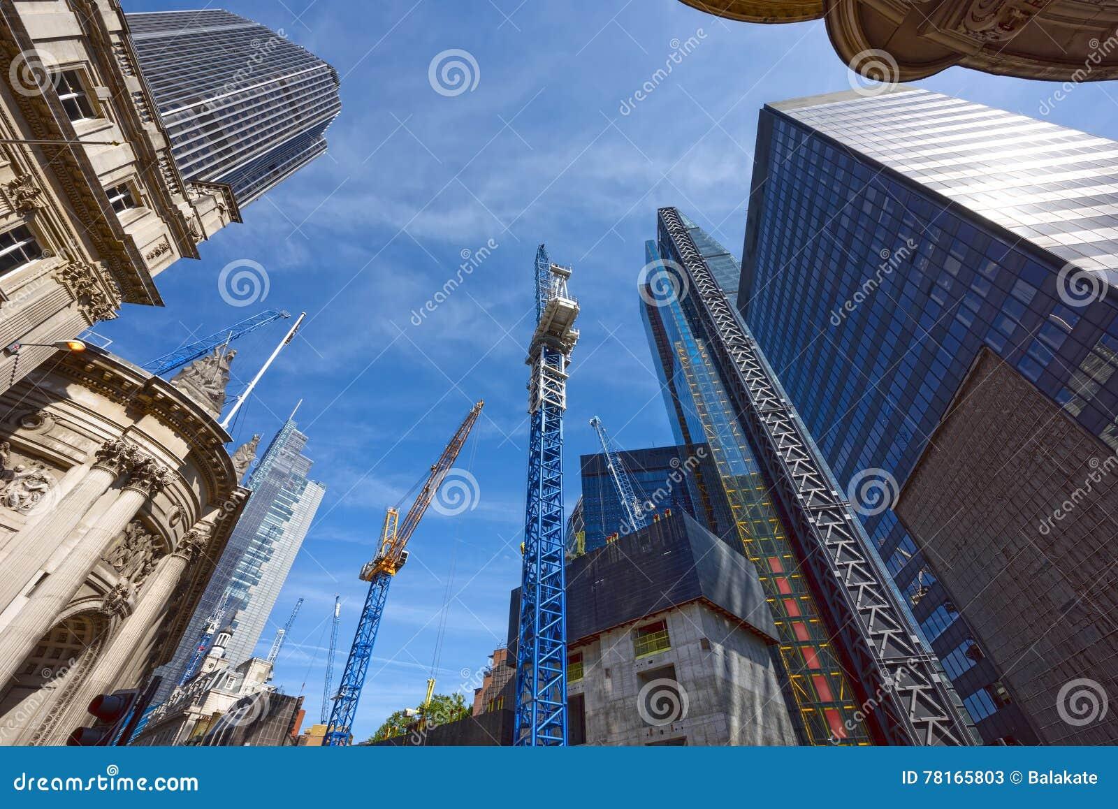 Конструкция небоскребов в сердце Лондона соединенное королевство