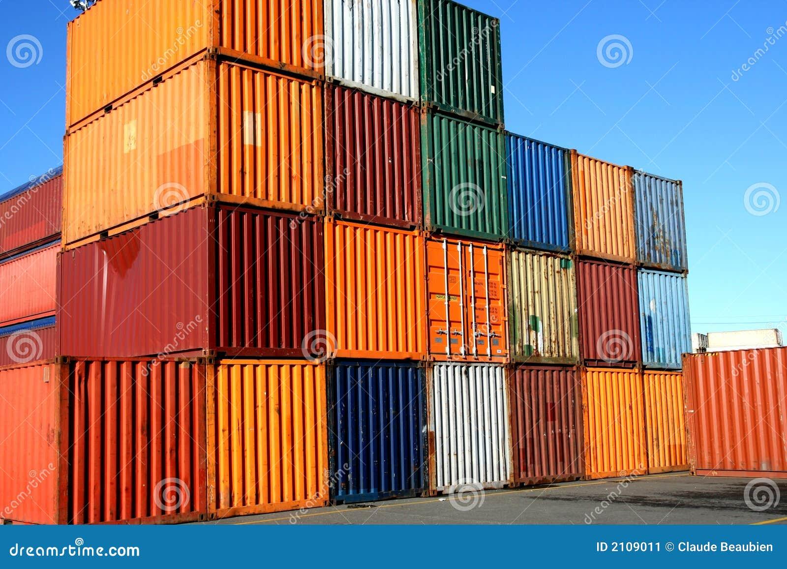 контейнеры нагруженные к ждать