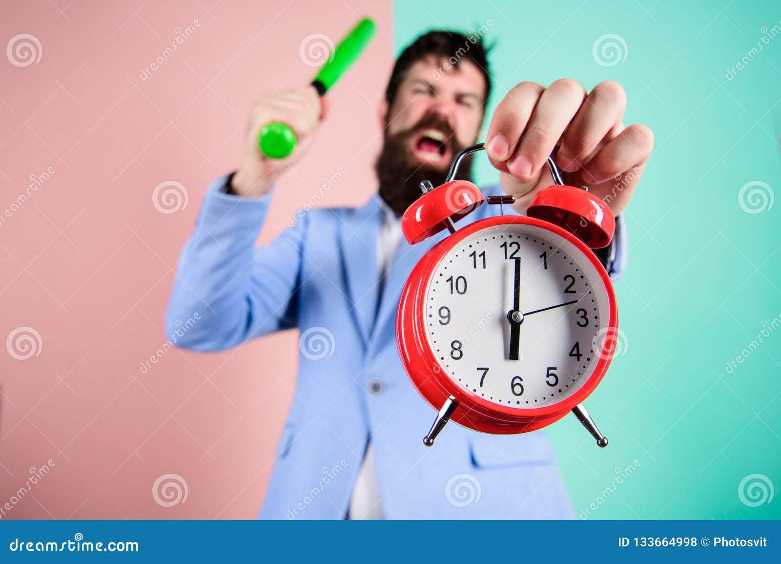 Контроль времени и дисциплина Дисциплина и санкции Будильник владением стороны босса агрессивный Разрушьте или поверните