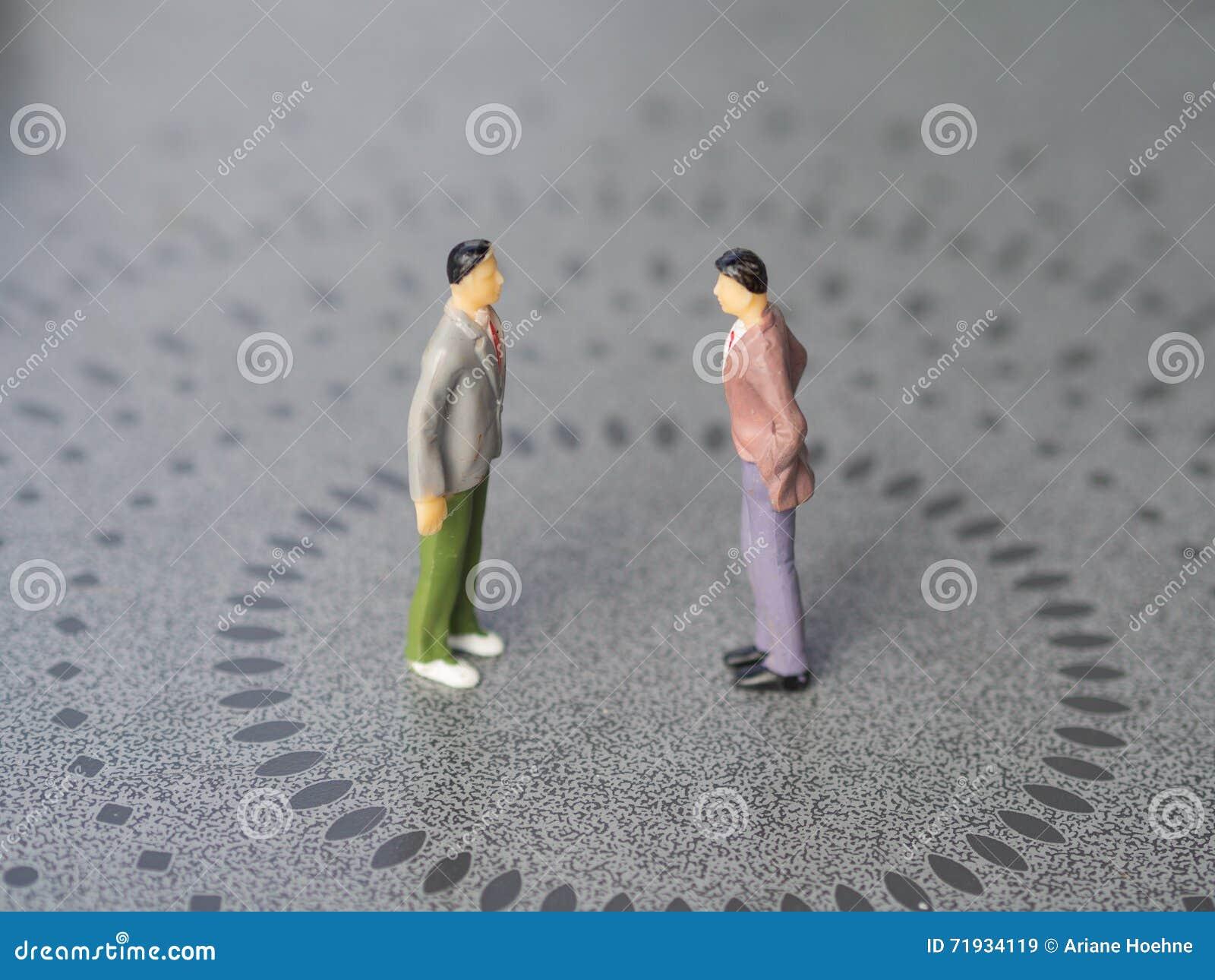 Конфликт между 2 людьми