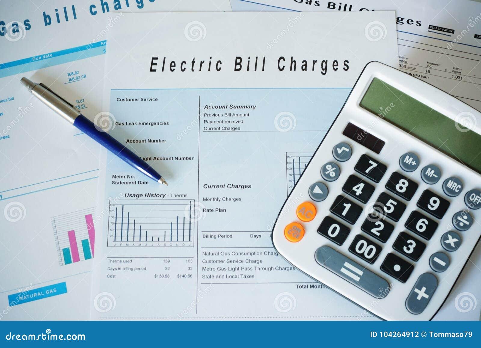 Концепция выхода по энергии с обязанностями выставляет счет документы на столе