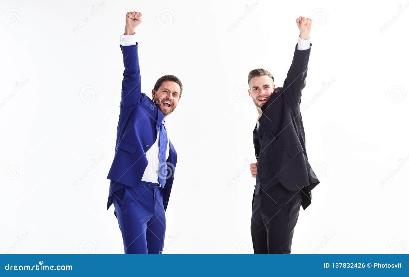 Концепция достижения дела белизна успеха дела изолированная принципиальной схемой Партия офиса Отпразднуйте успешное дело Эмоцион