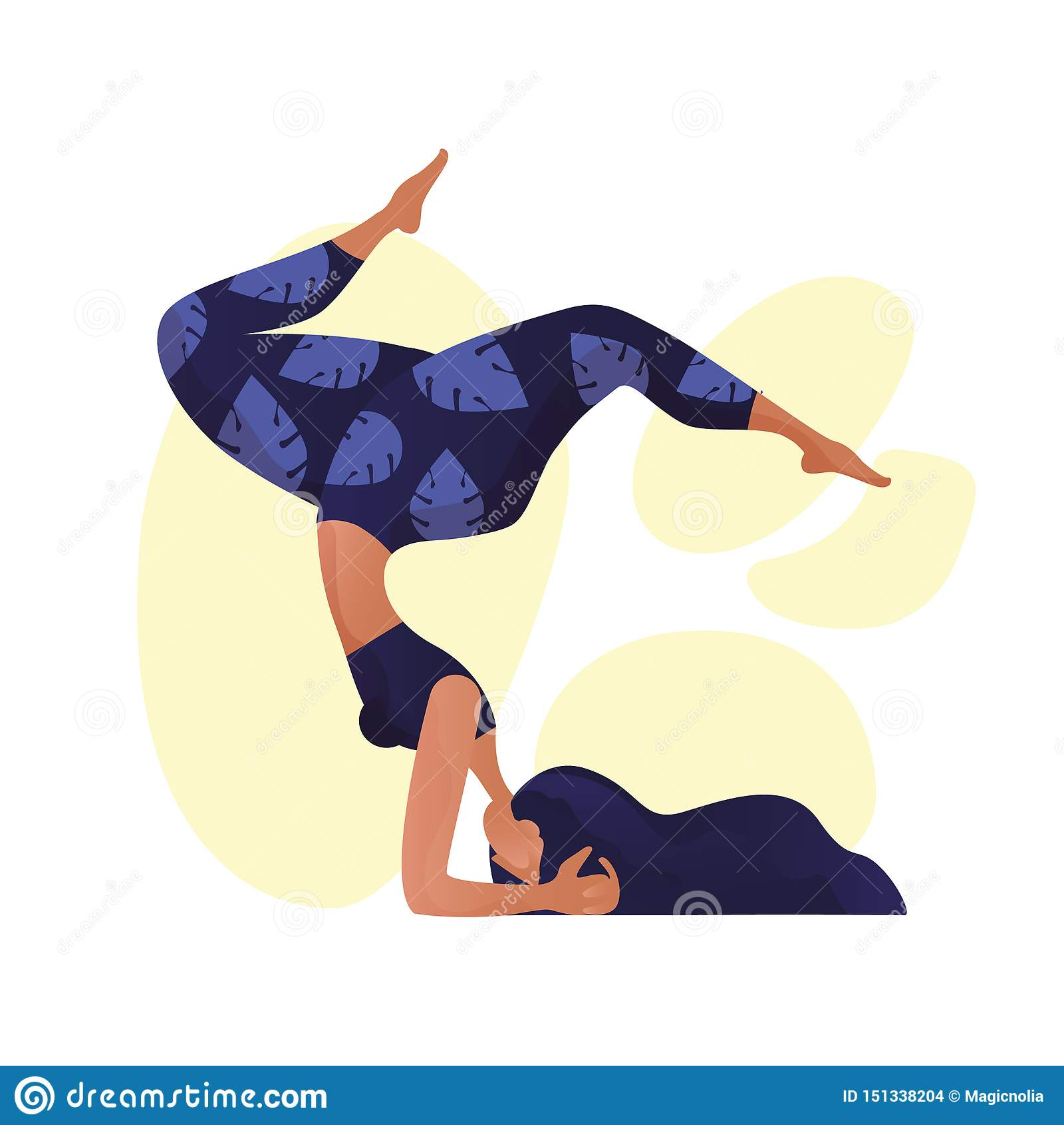Концепция йоги молодой женщины yogi практикуя, стоя в ухудшающемся - смотреть на представление и носить бюстгальтер и брюки sport