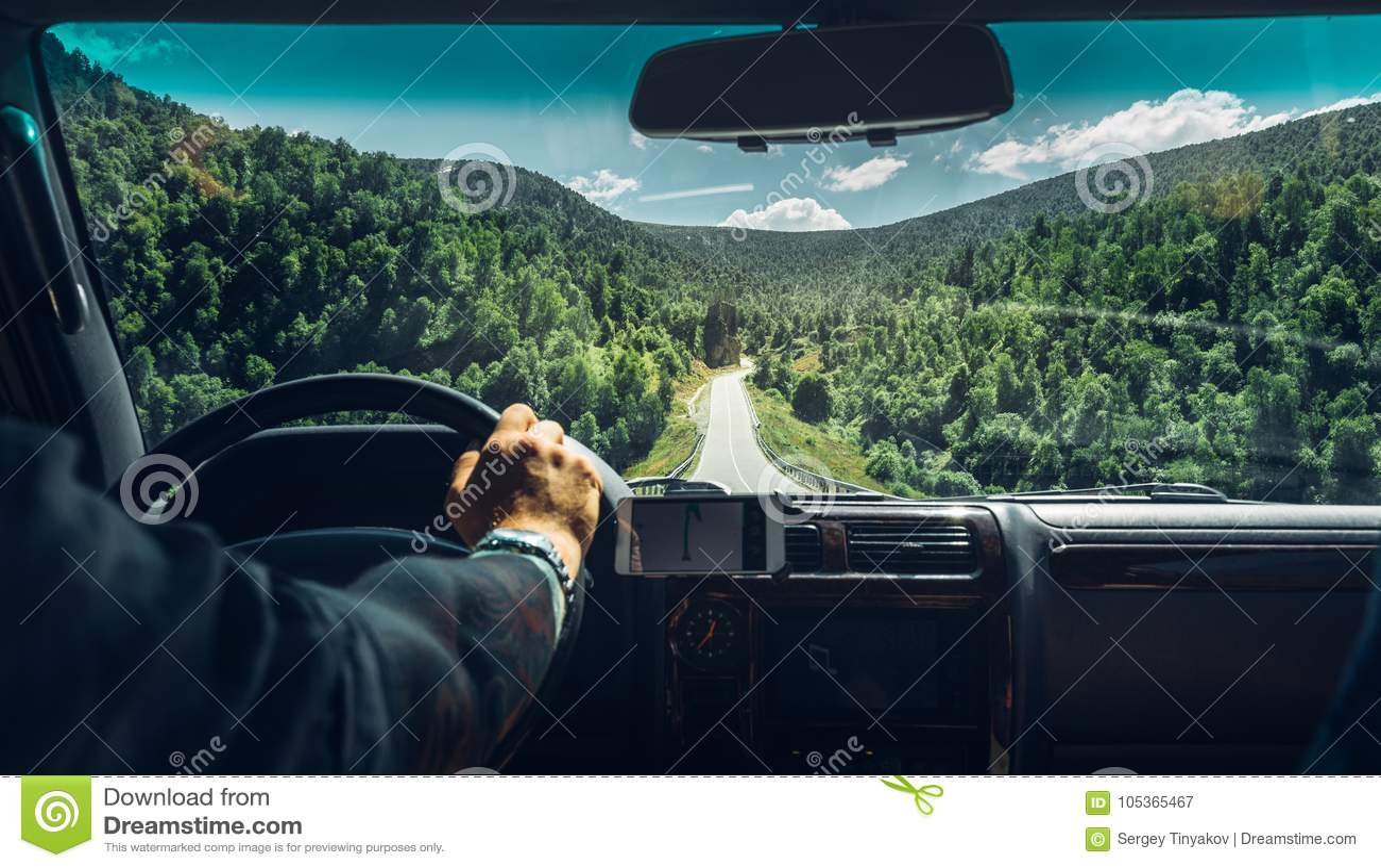 Концепция каникул Wanderlust автомобильного путешествия свободы