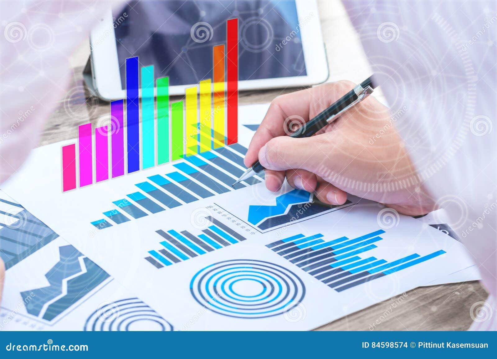 Концепция успеха коммерческой статистики: чарс аналитика бизнесмена