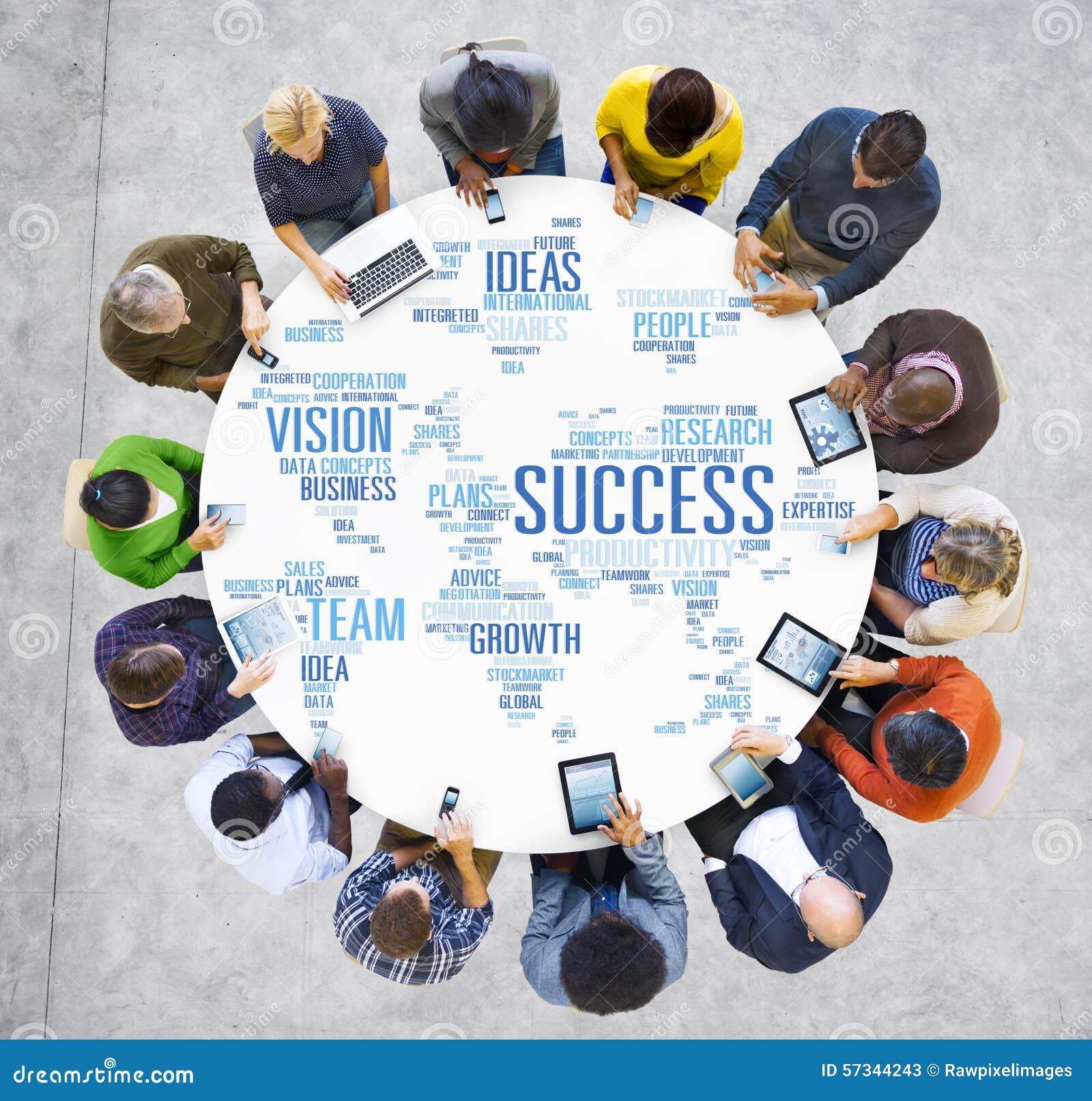 Концепция успеха технологии прибора цифров людей глобального бизнеса