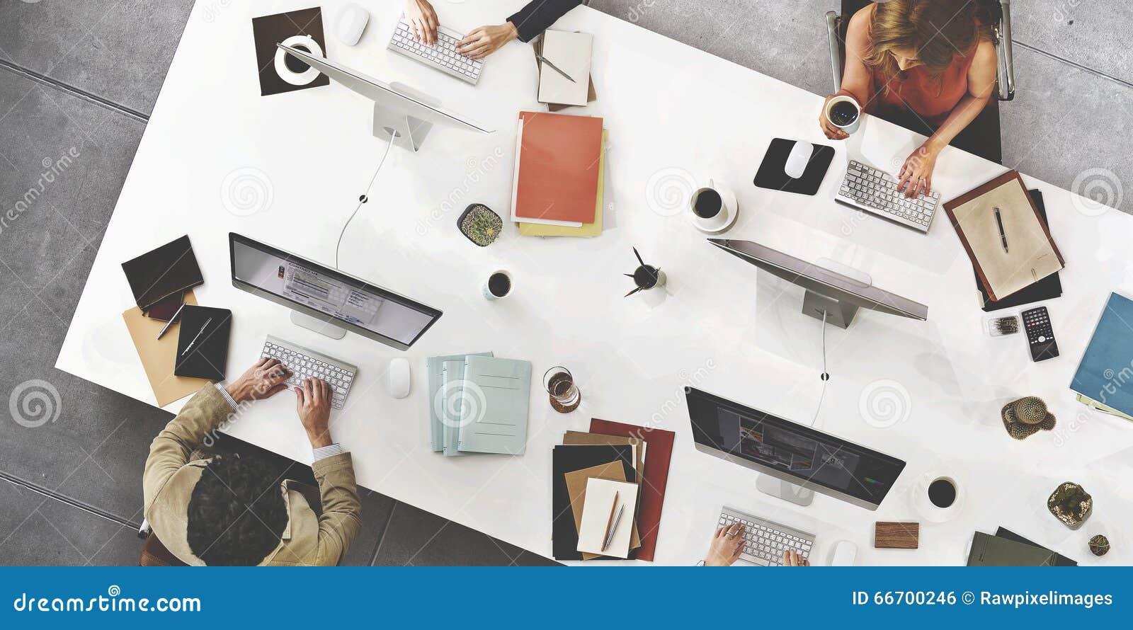 Концепция цифровой технологии соединения встречи команды дела