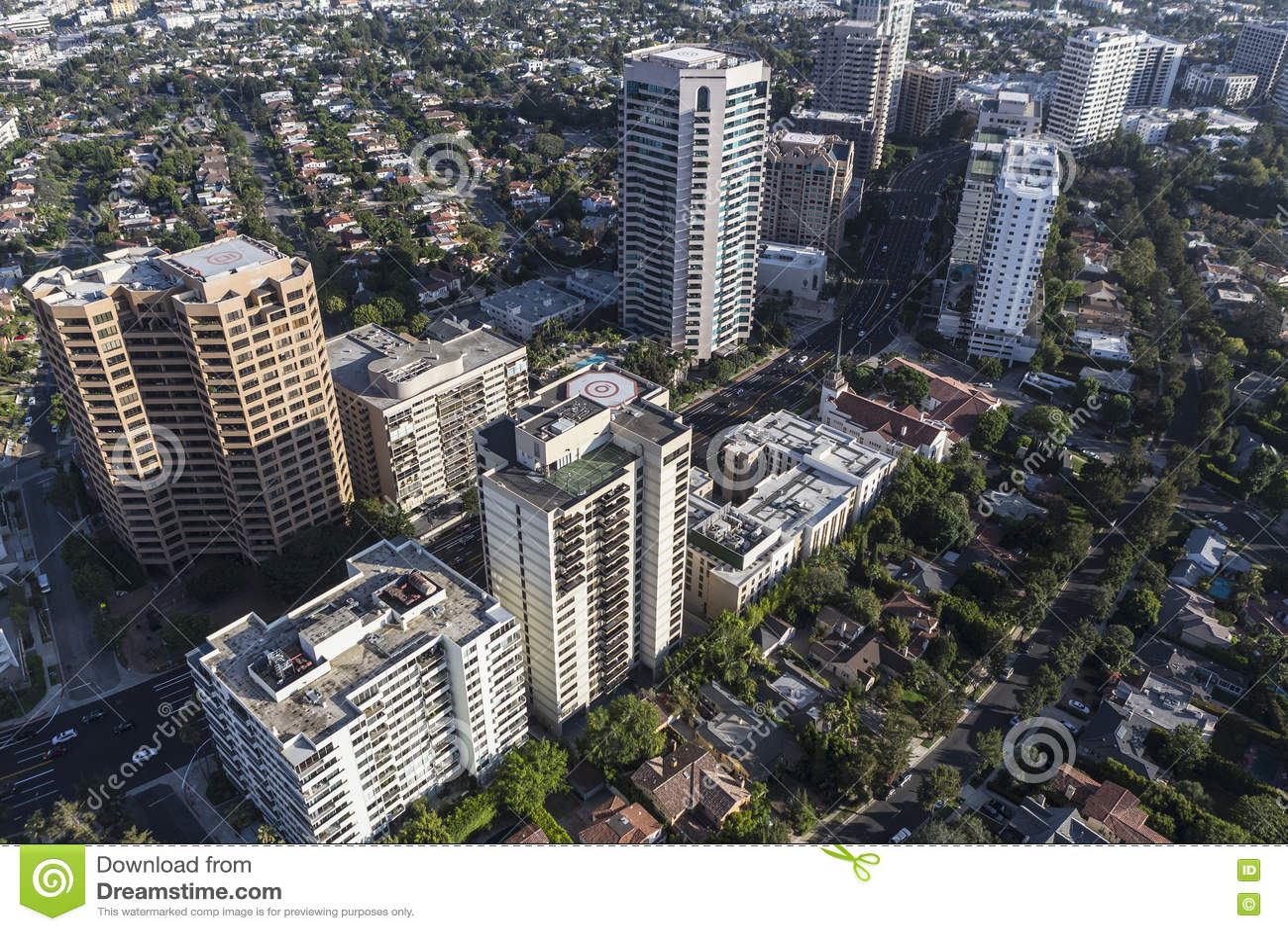 Кондо и квартиры Highrise бульвара Wilshire в Лос-Анджелесе