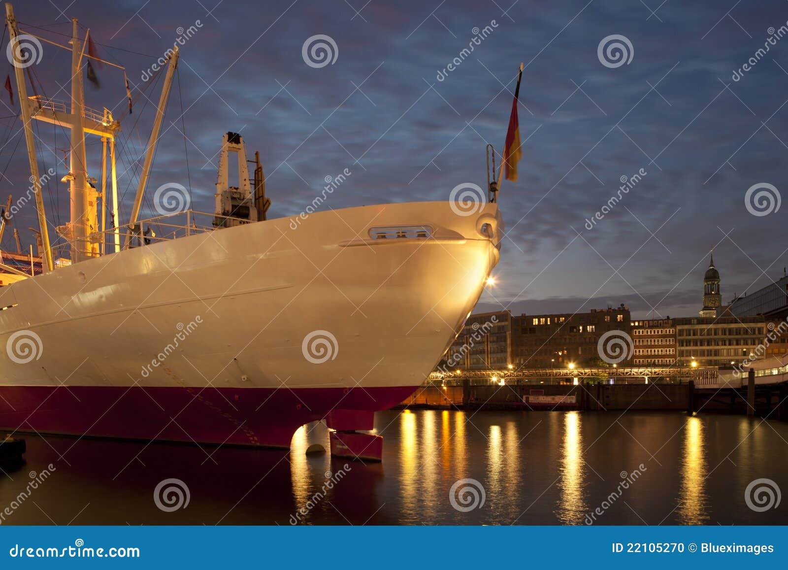 корабль гавани hamburg