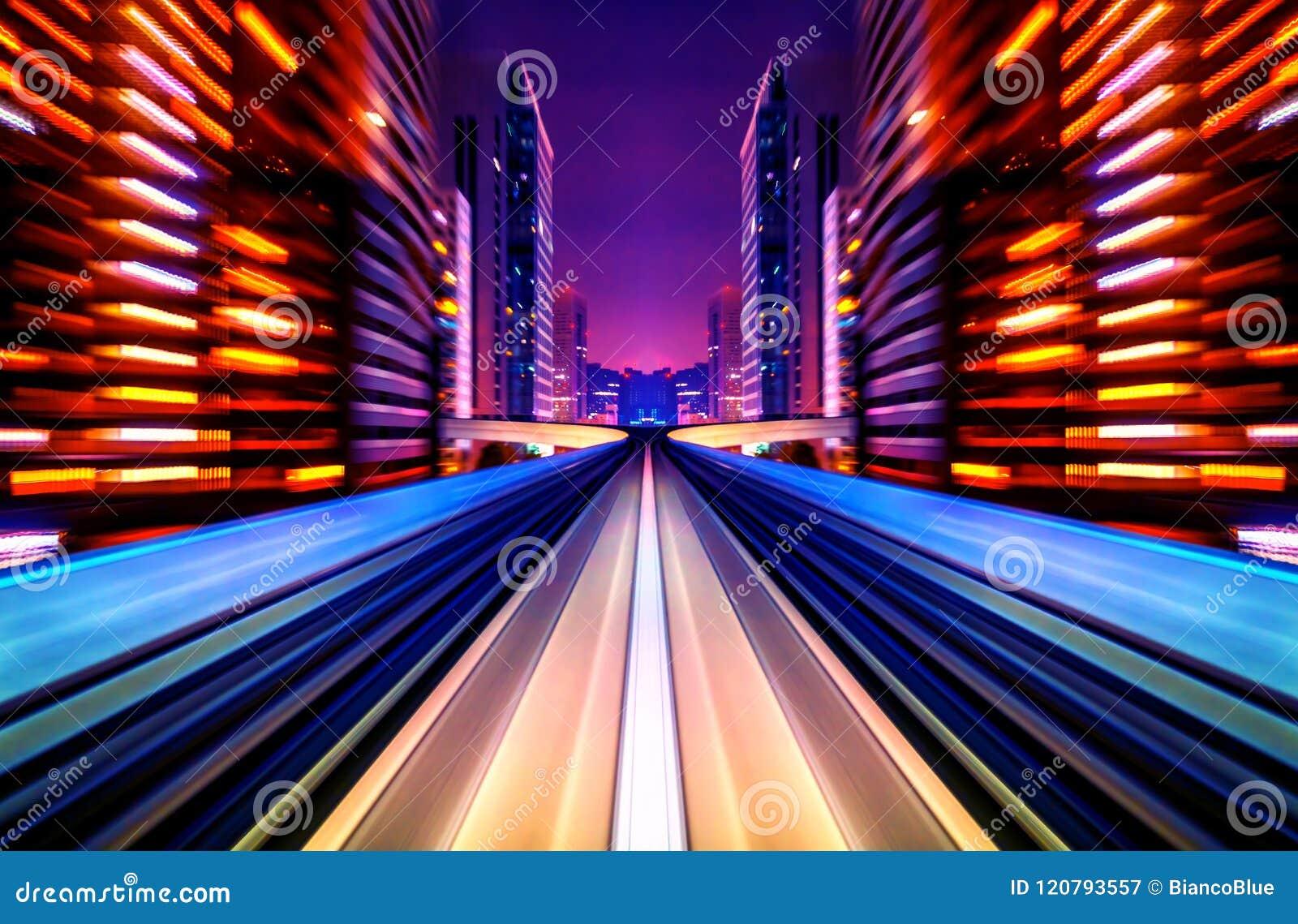 Корабль нерезкости движения будущий двигая в дорогу или рельс города