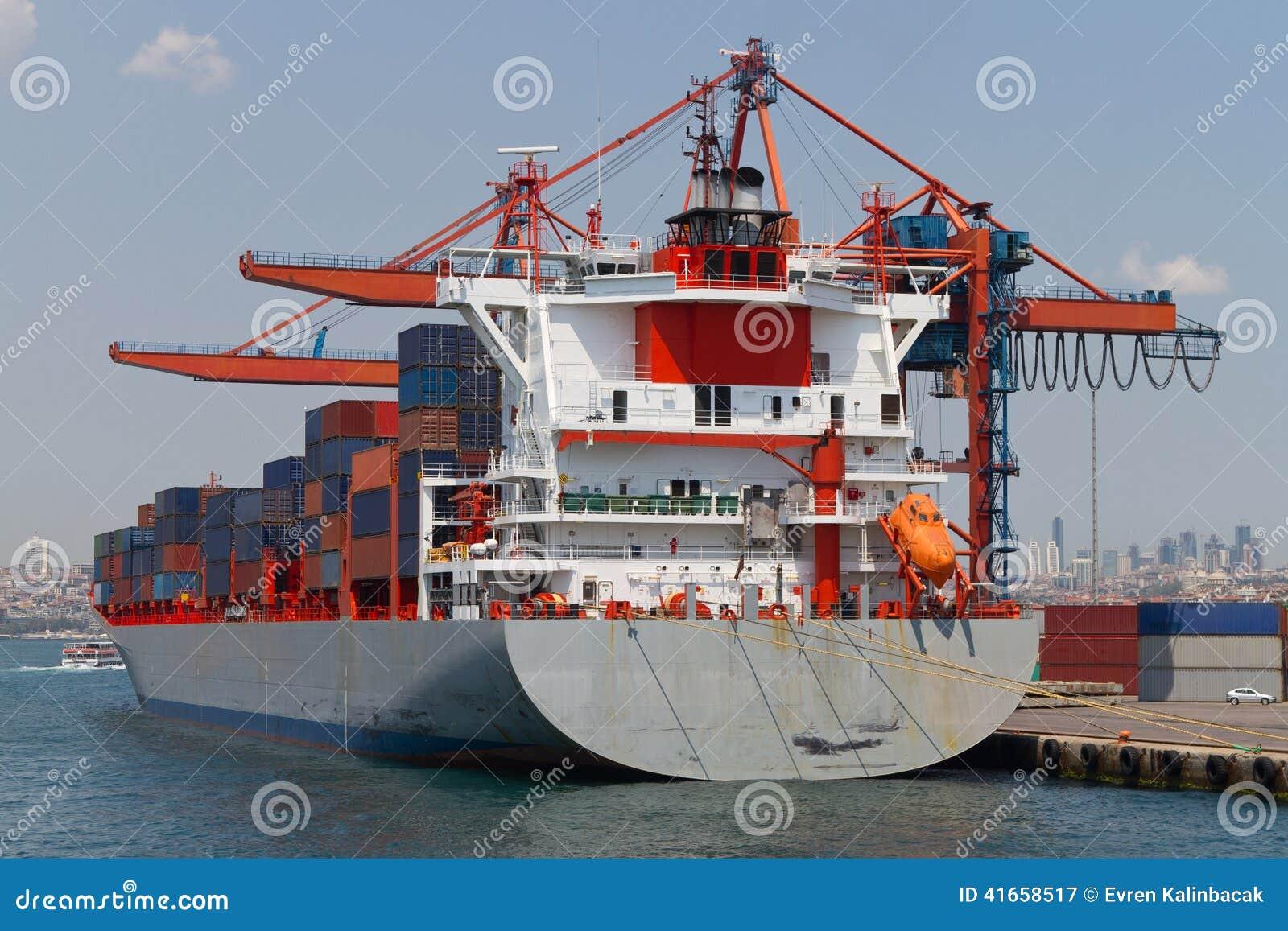 корабль порта gdansk Польши контейнера