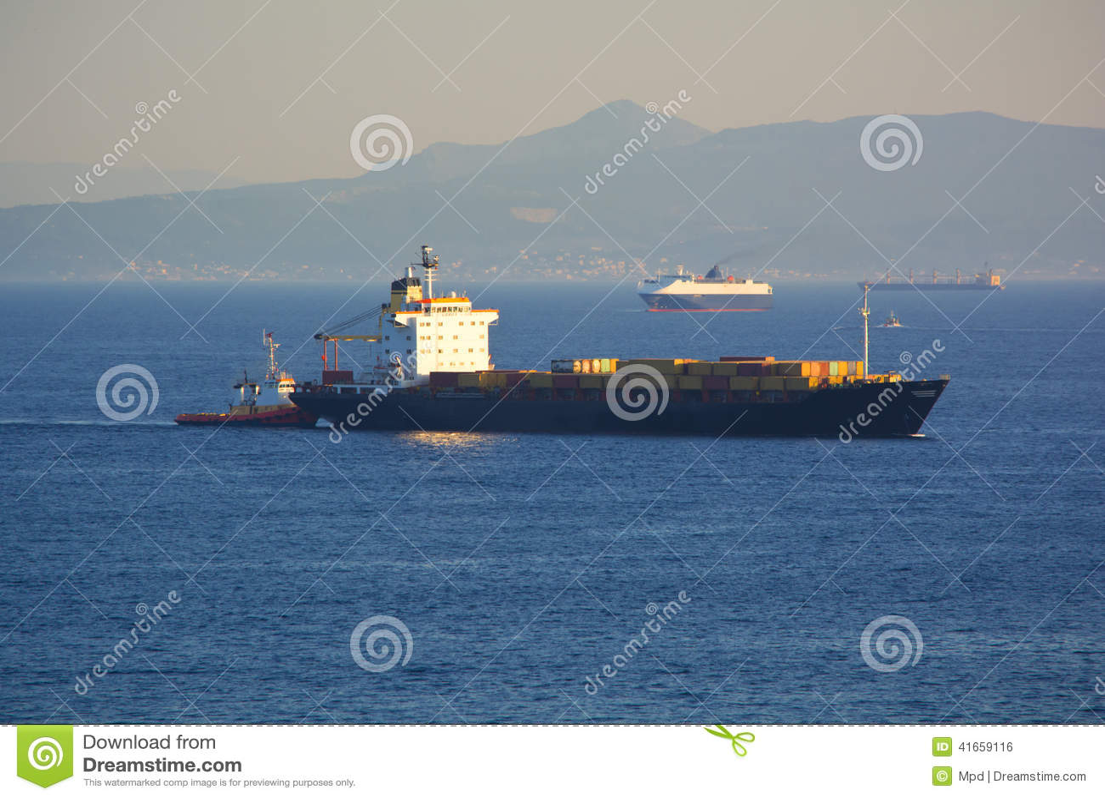 корабль порта hamburg груза деятельностей