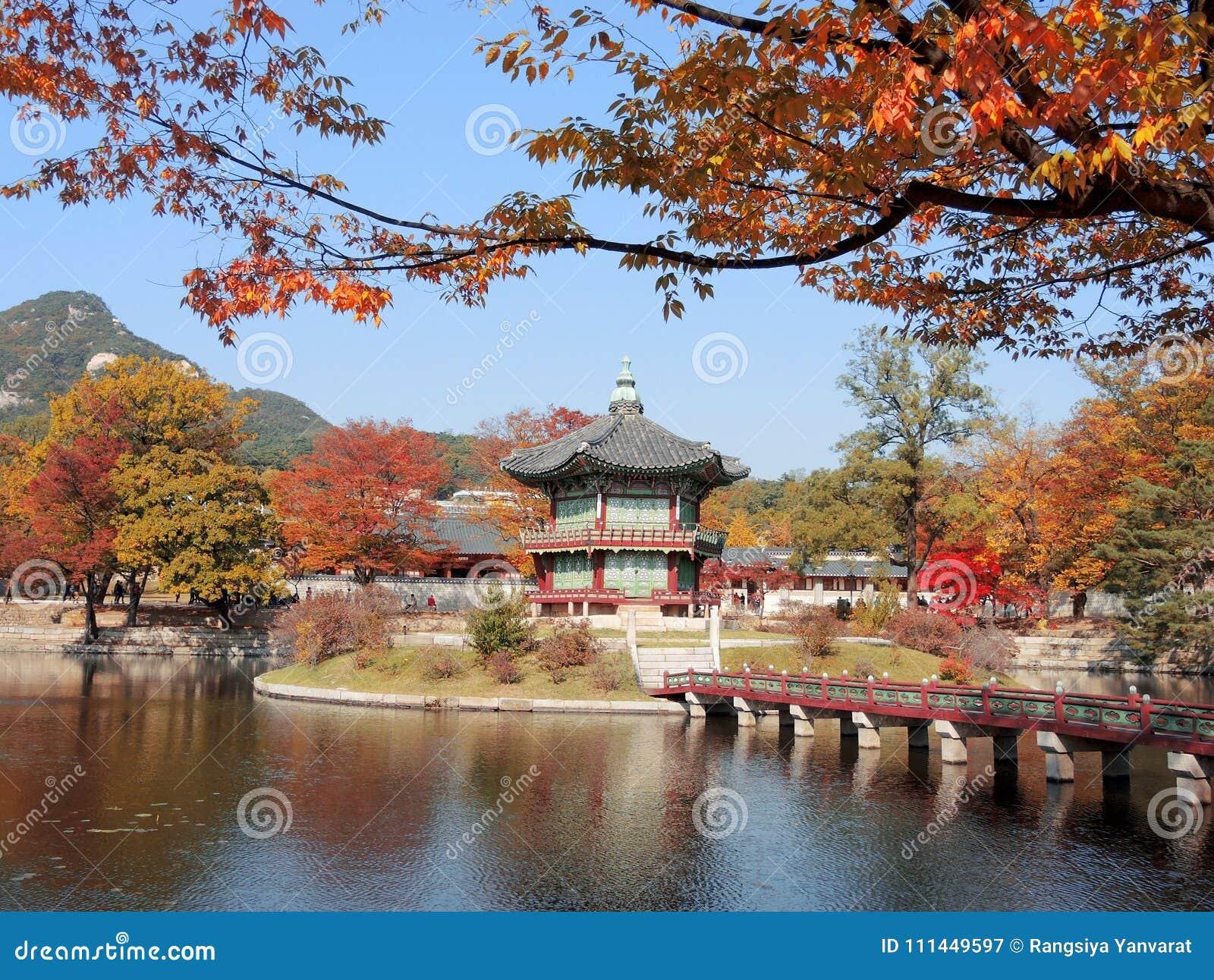 Корейский традиционный дворец Gyeongbokgung архитектуры