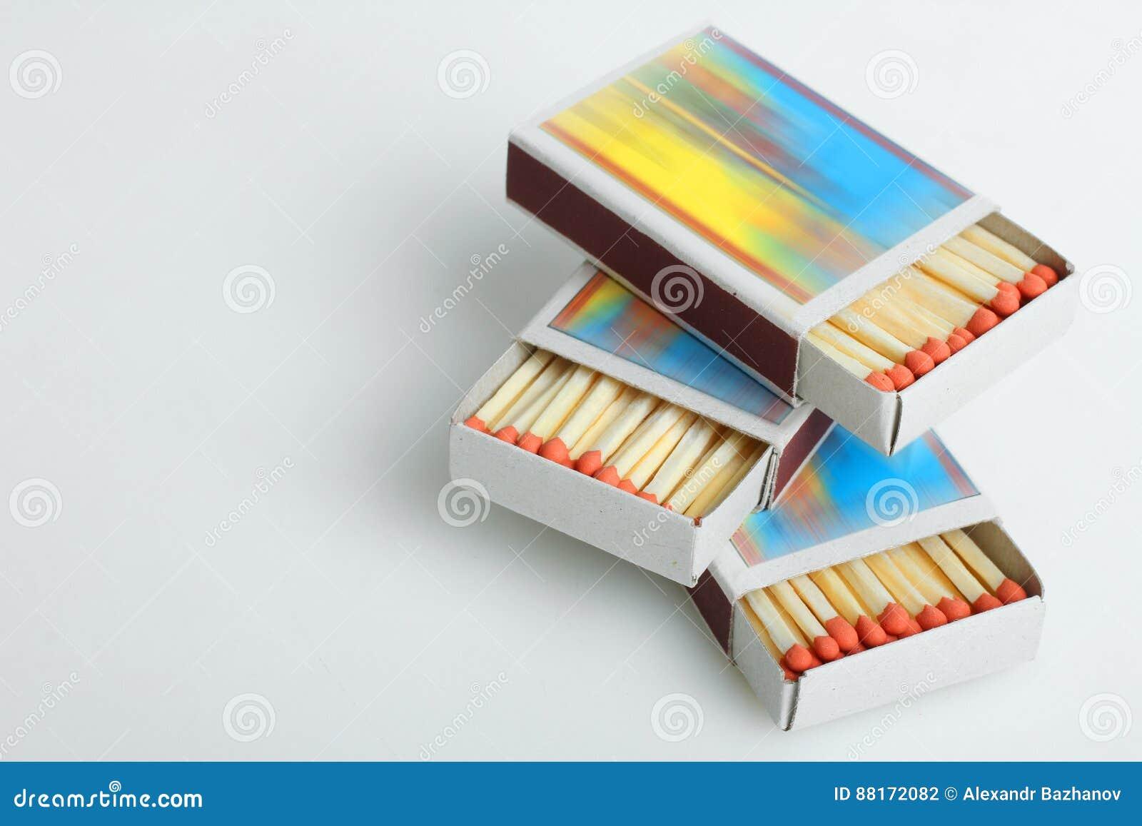 Коробка с спичками стоковое фото. изображение насчитывающей спичками - 88172082