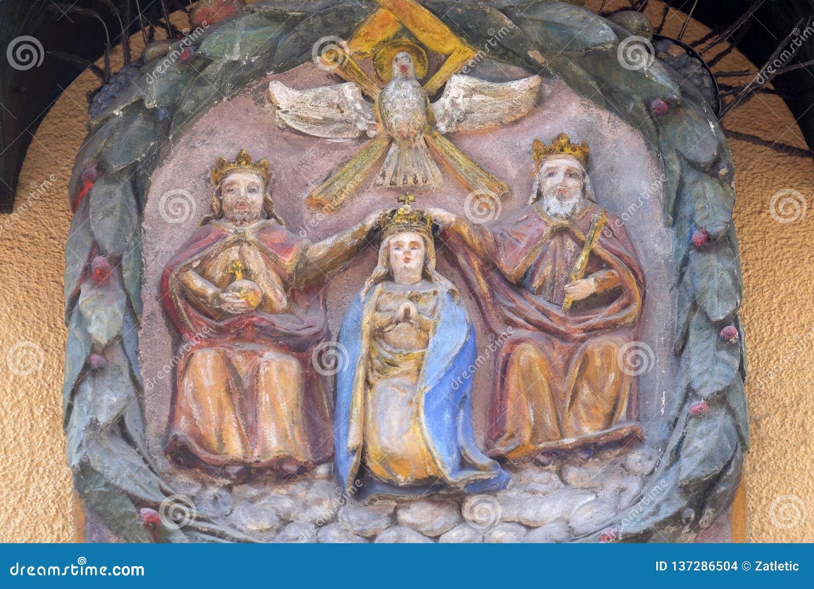 Коронование девой марии