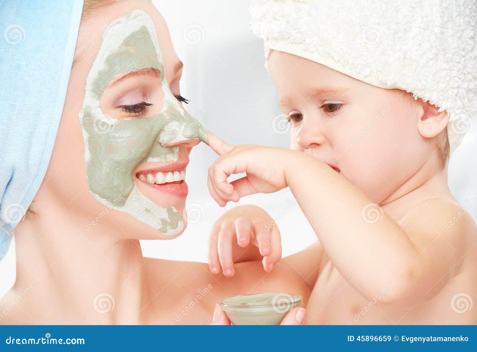 матери в ванной