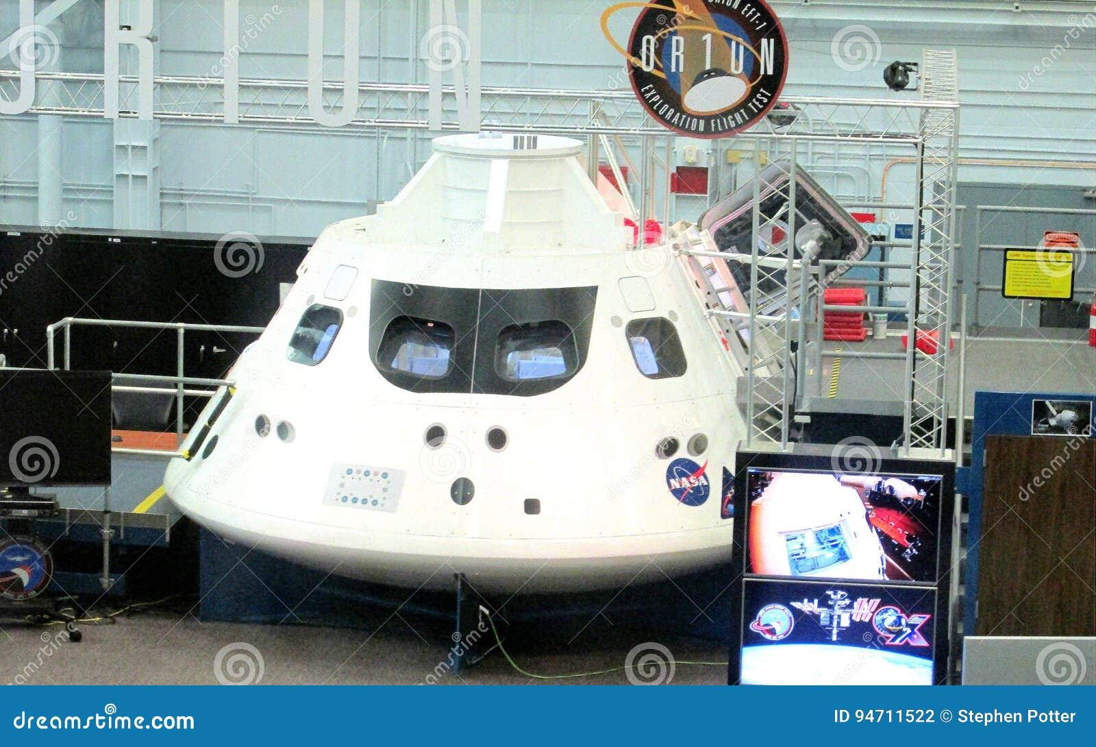 Космическая капсула Ориона проекта NASA под конструкцией в здании собрания на космическом центре Джонсона в Хьюстоне, Техасе