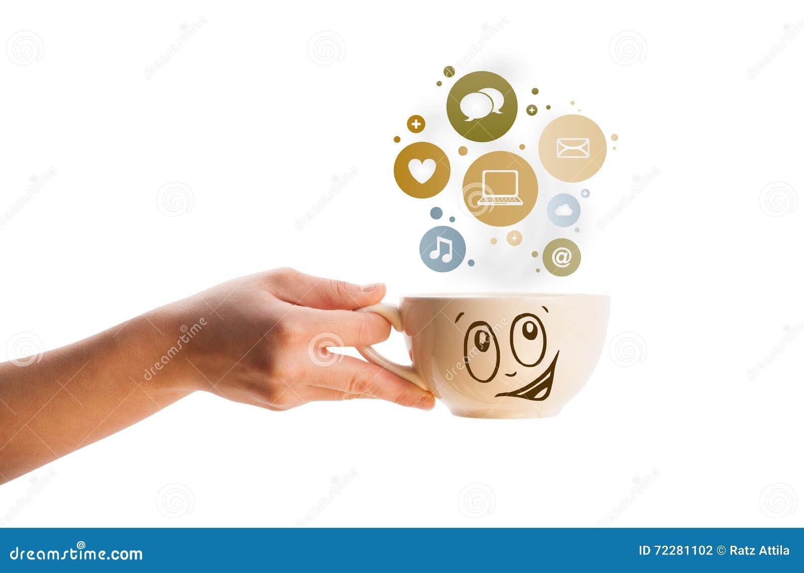 Download Кофейная чашка с Social и иконы средств в цветастых пузырях Стоковое Фото - изображение насчитывающей closeup, breadcrumbs: 72281102