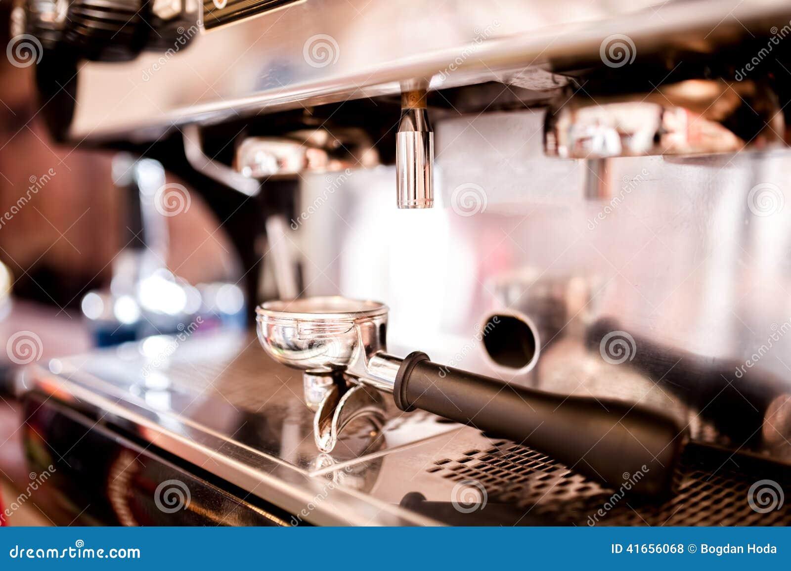 Кофе делая аксессуары и инструменты