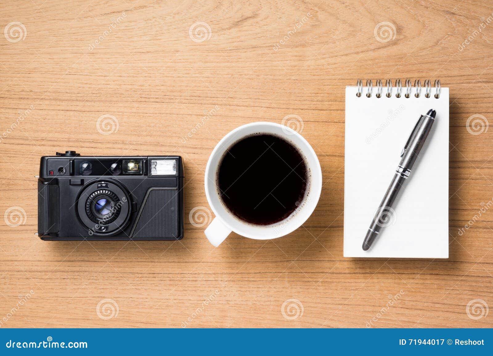 Кофе и блокнот камеры