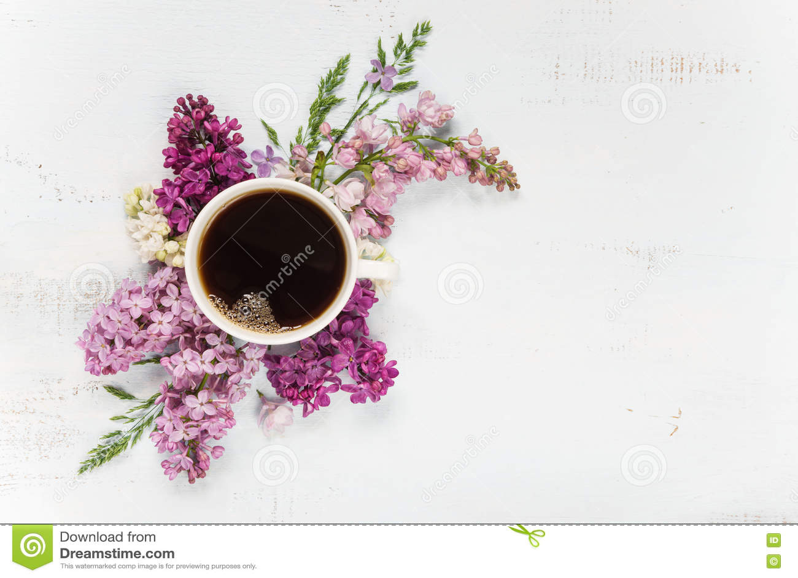 Download Кофе и различные цветки сирени Стоковое Фото - изображение насчитывающей кофеин, рамка: 72299368