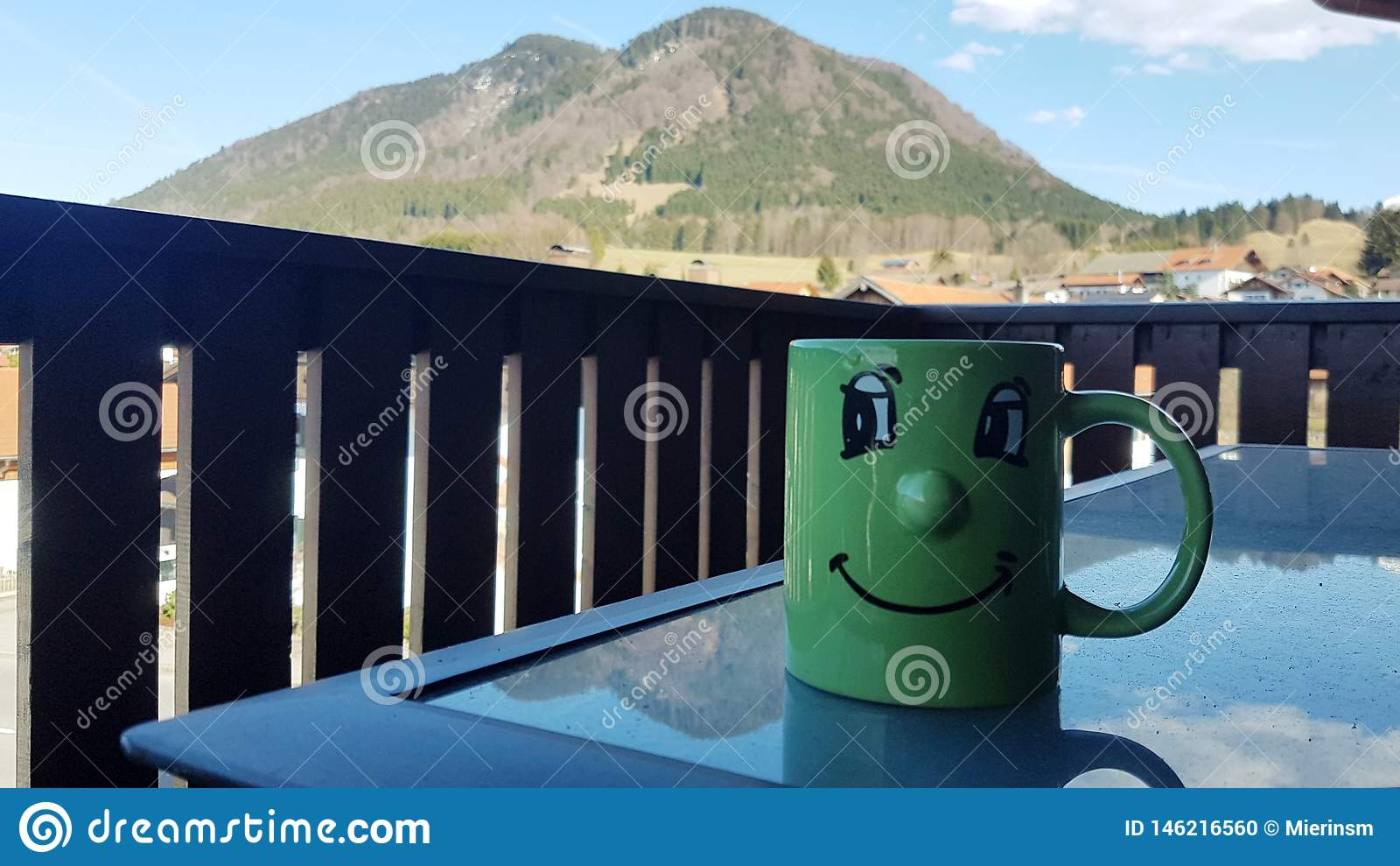 Кофе утра с красивым видом