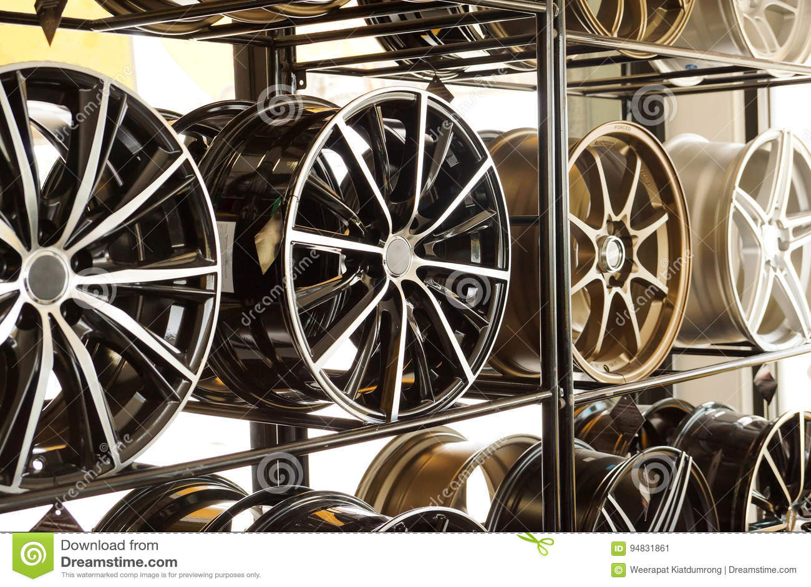 Колеса сплава автомобиля