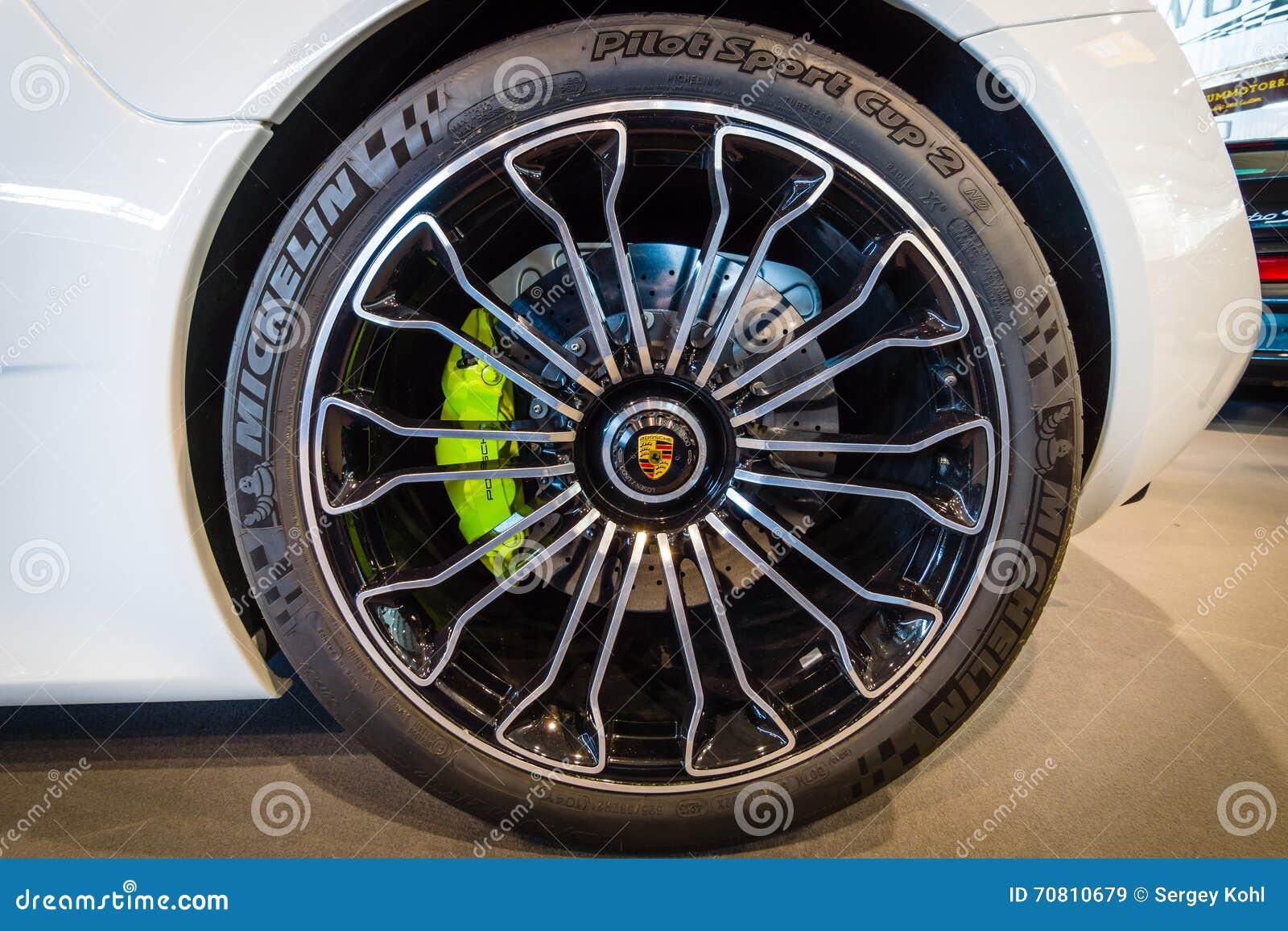 Колесо и тормозная система средний-engined вставляемого гибридного автомобиля спорт Порше 918 Spyder, 2015