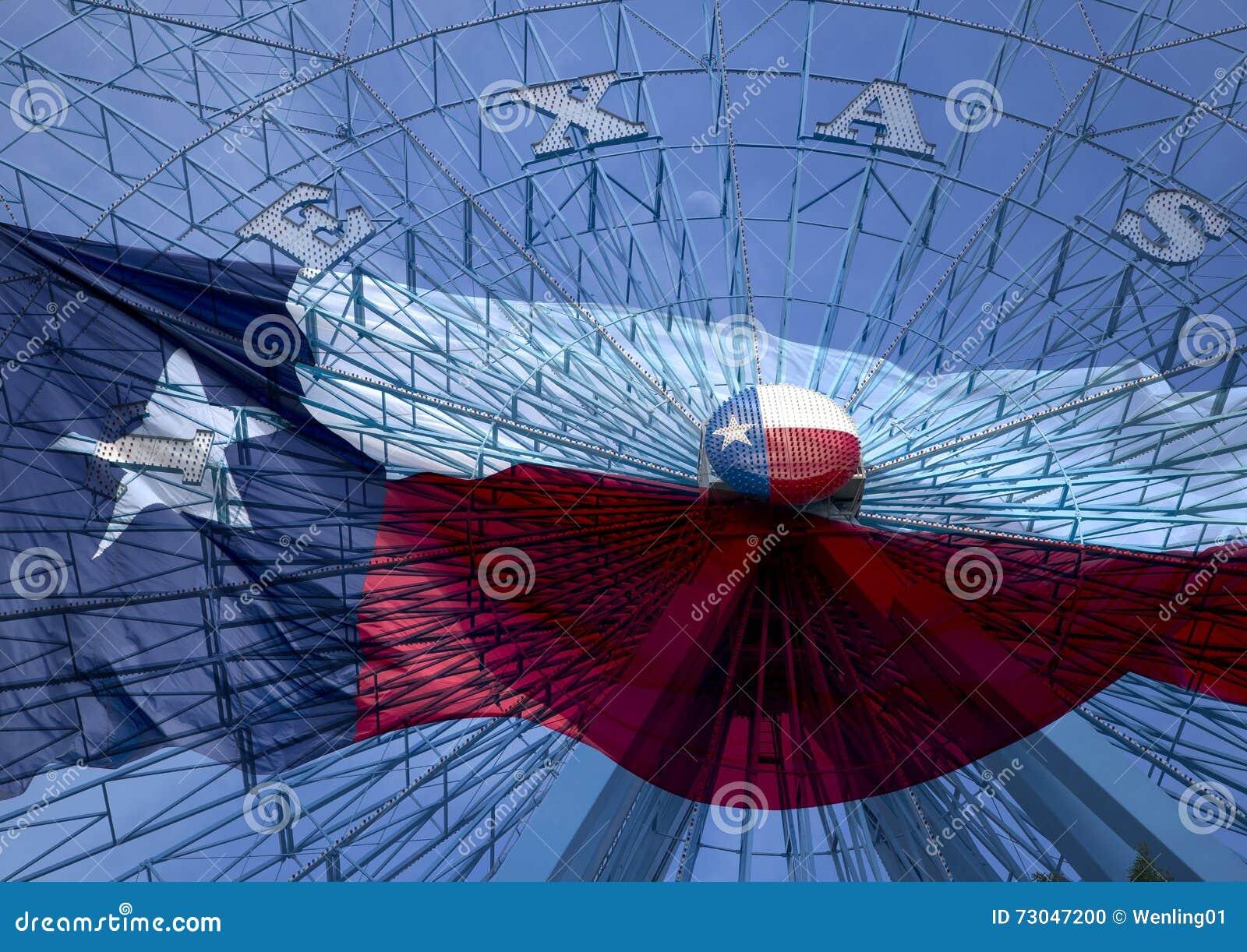 Колесо Ferris и национальный флаг Техаса