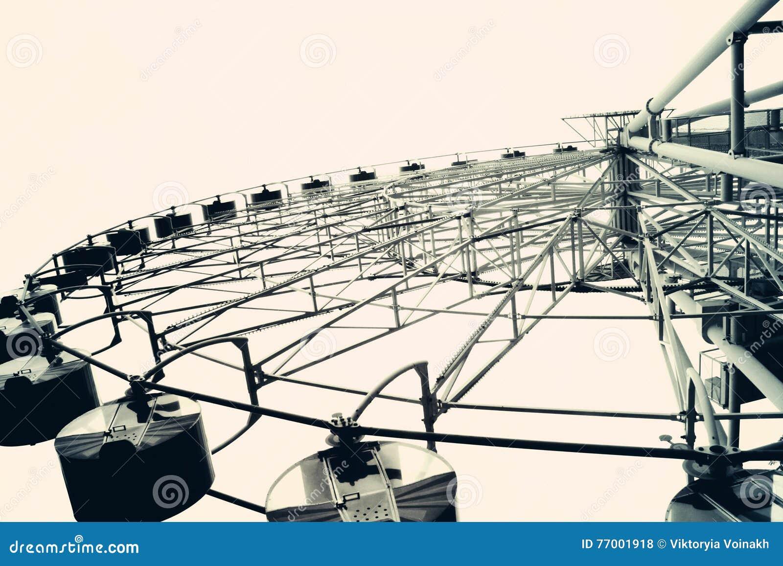 Колесо Ferris тонизированное в винтажном стиле