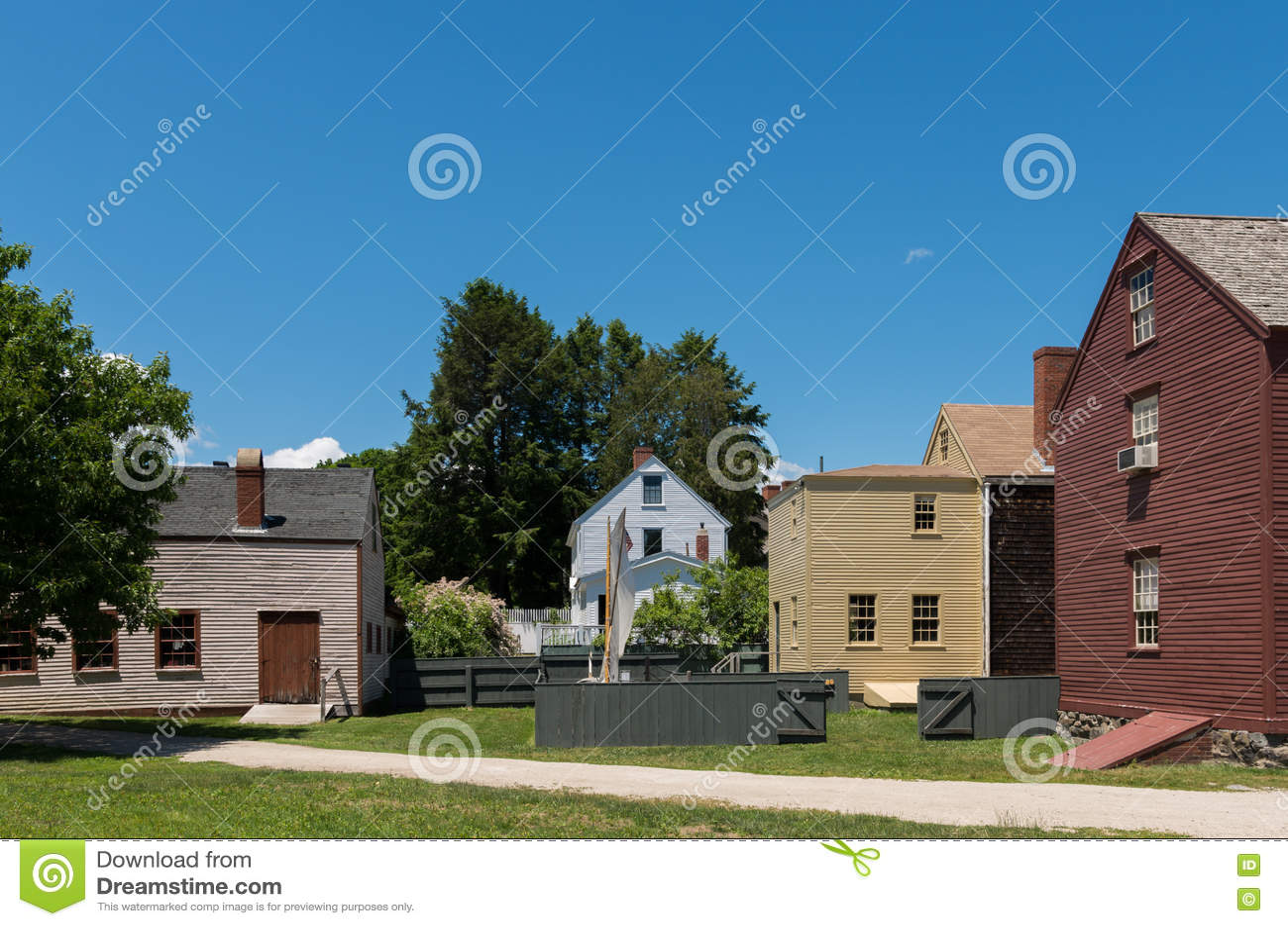 Колониальная деревня