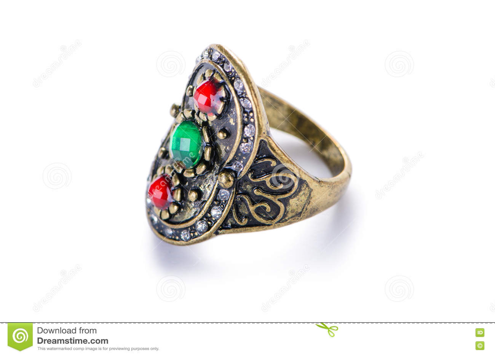 Кольцо украшений золота изолированное на белой предпосылке