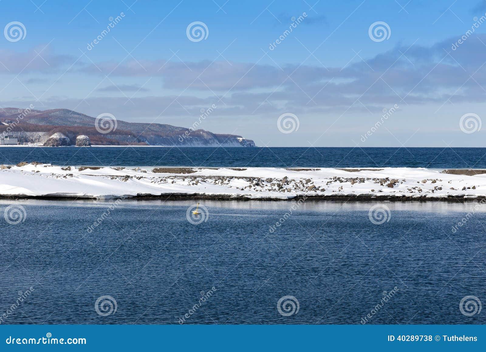Край ледистого побережья