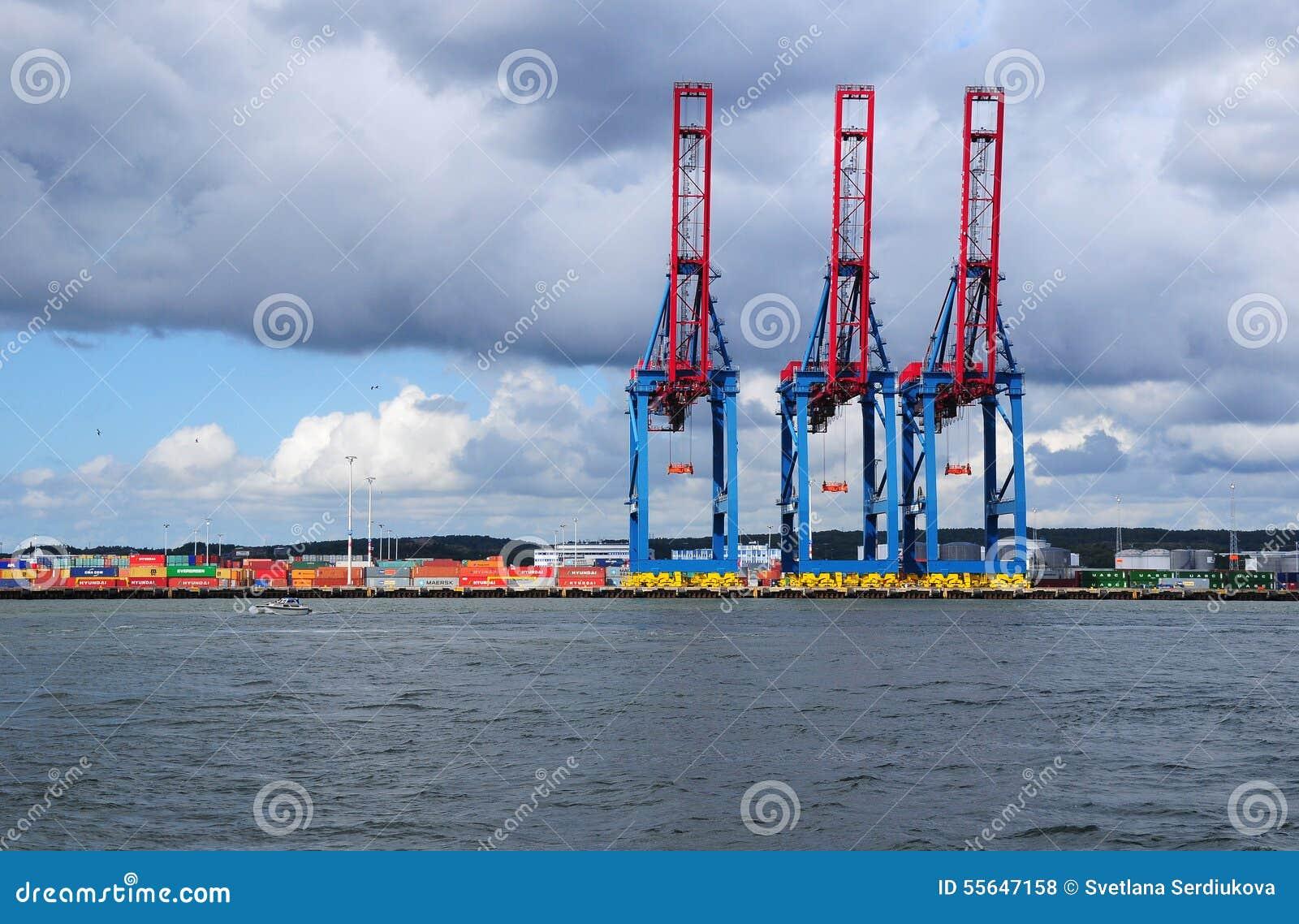 Краны груза на порте Гётеборга