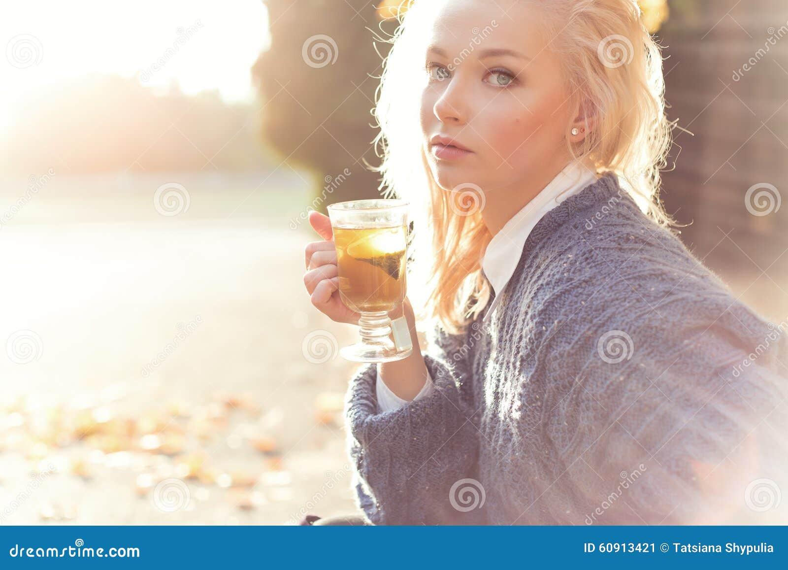 Красивые Фото Девушек Осенью Блондинок