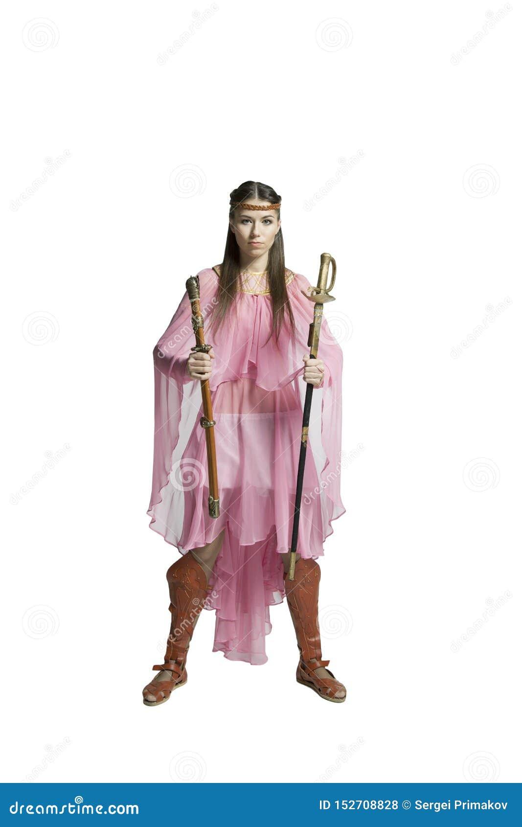 Красивая девушка воина