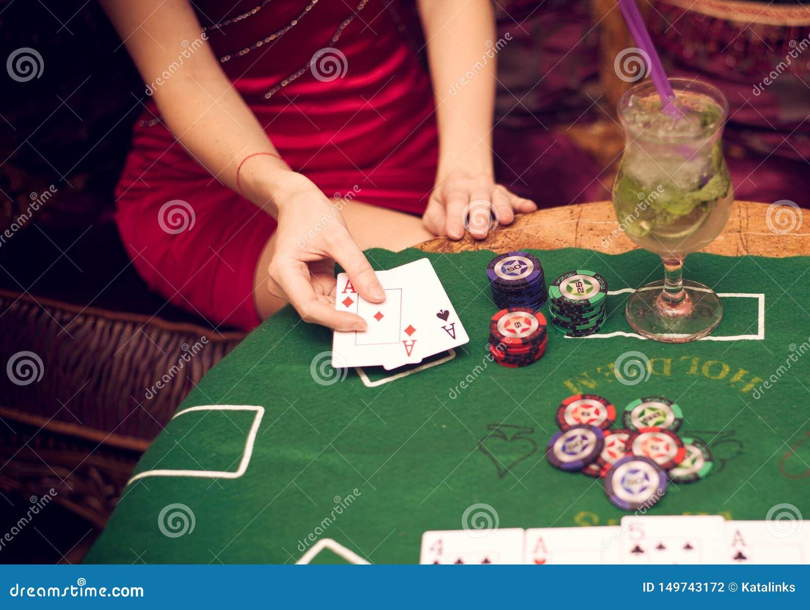 карты играем покер в в