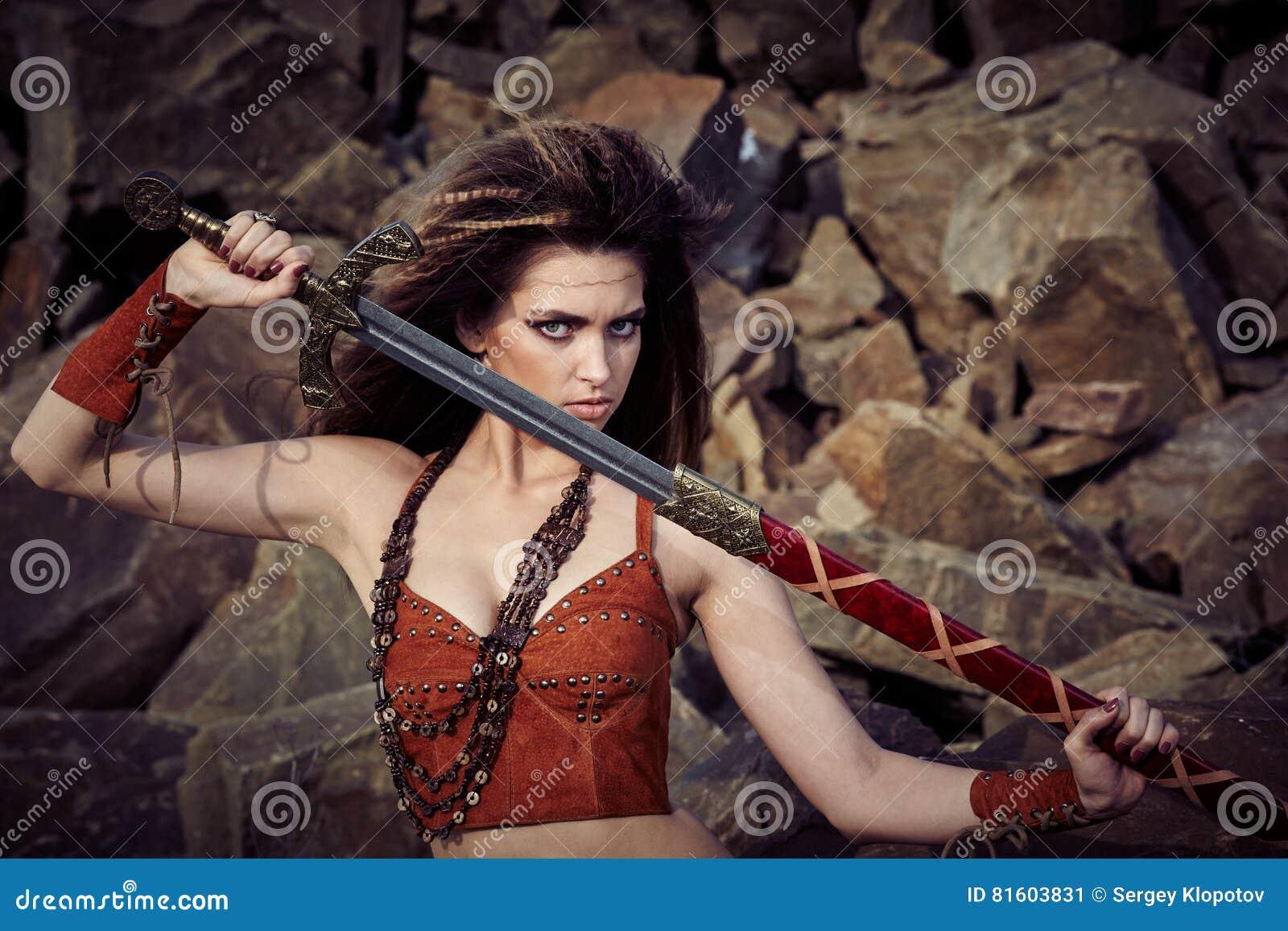 Амазонки и викинги, девчонки побритые пизденки