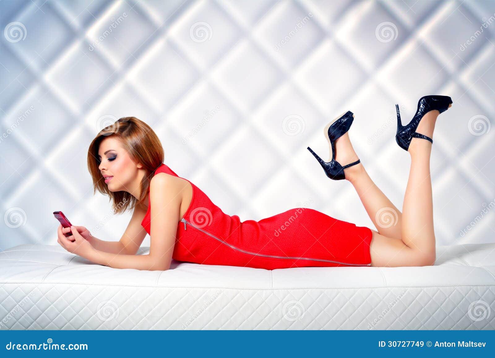 Красивые фотки девушек для телефона