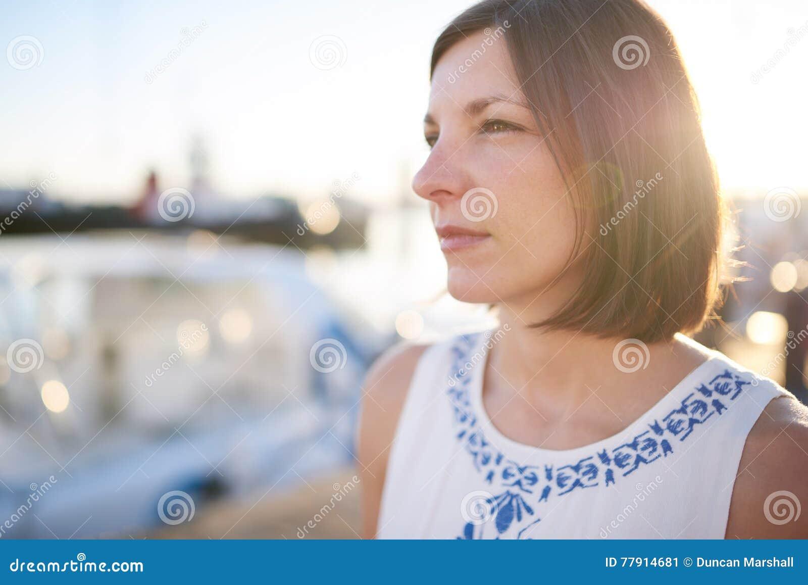 Зрелая и молодой на камеру, порно толстушка кончила от пальцев