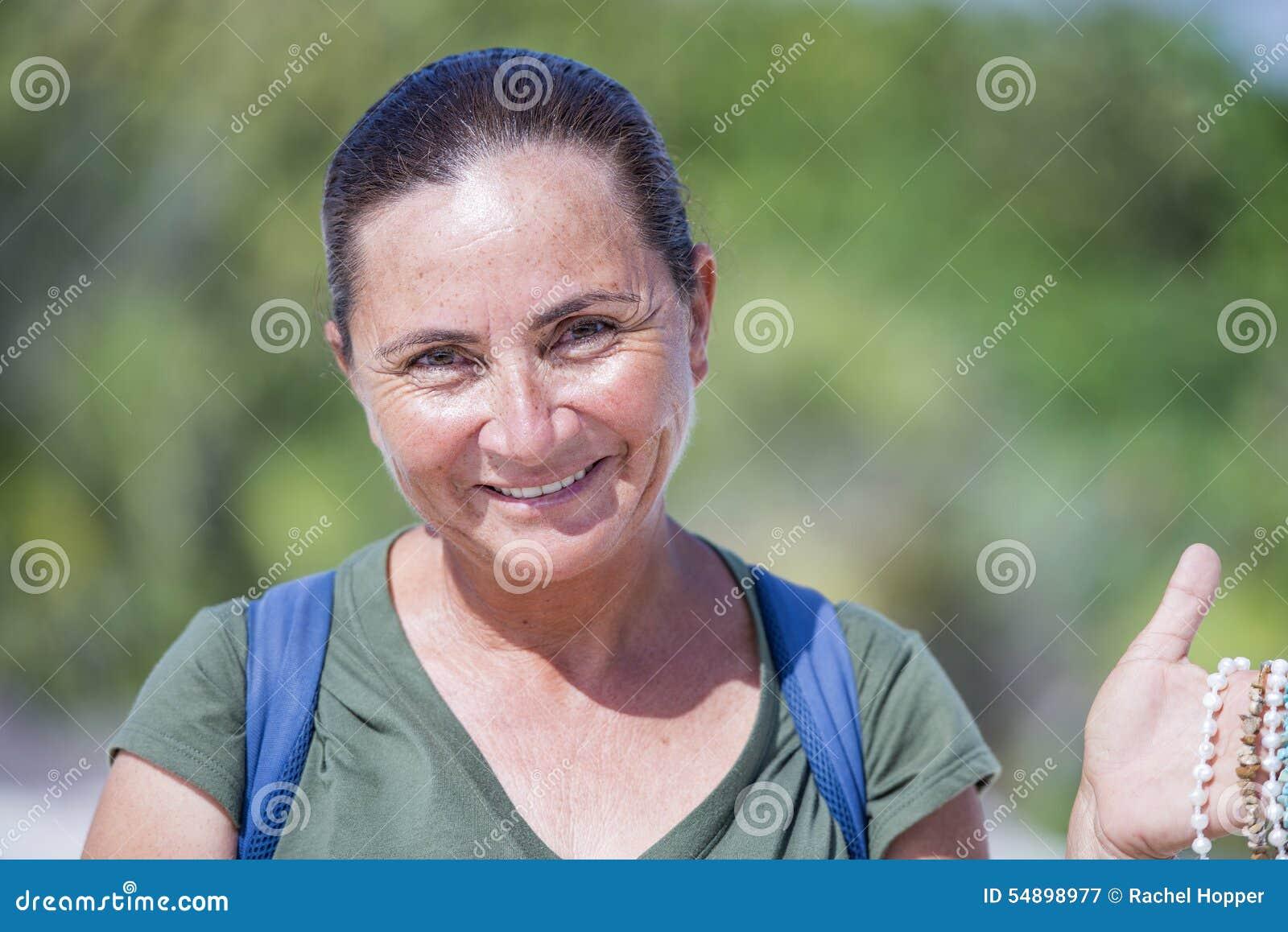 Фото красивая мексиканская девушка