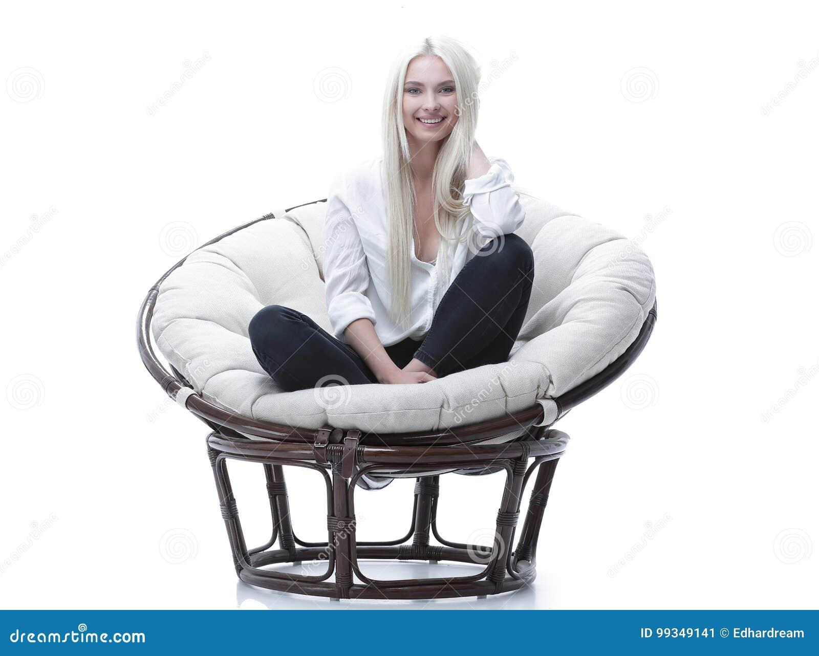 молодая на кресле преступление