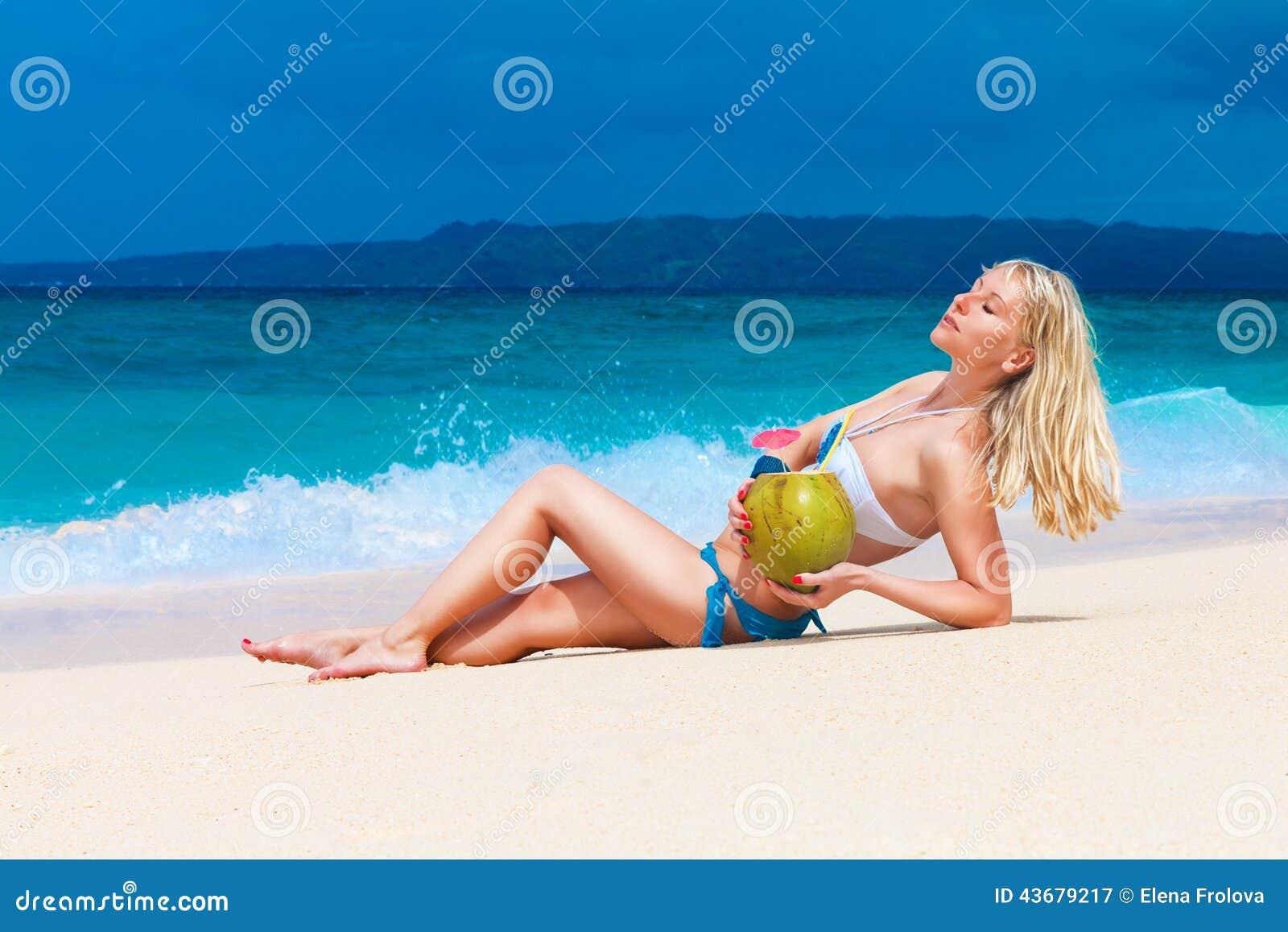 Красивая молодая блондинка фото, большие попки крупным планом картинки онлайн