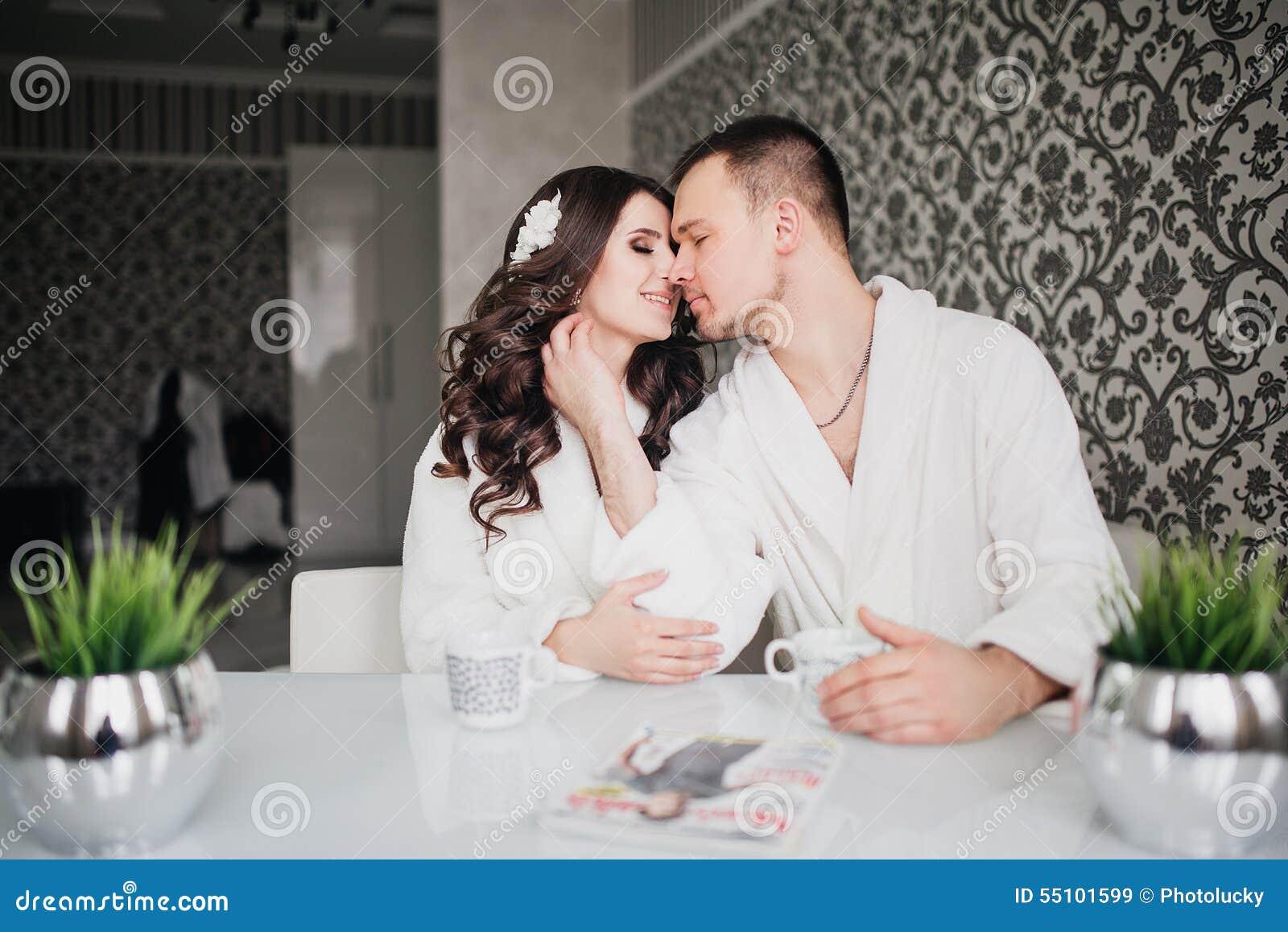 Красивая жена с любовником 9