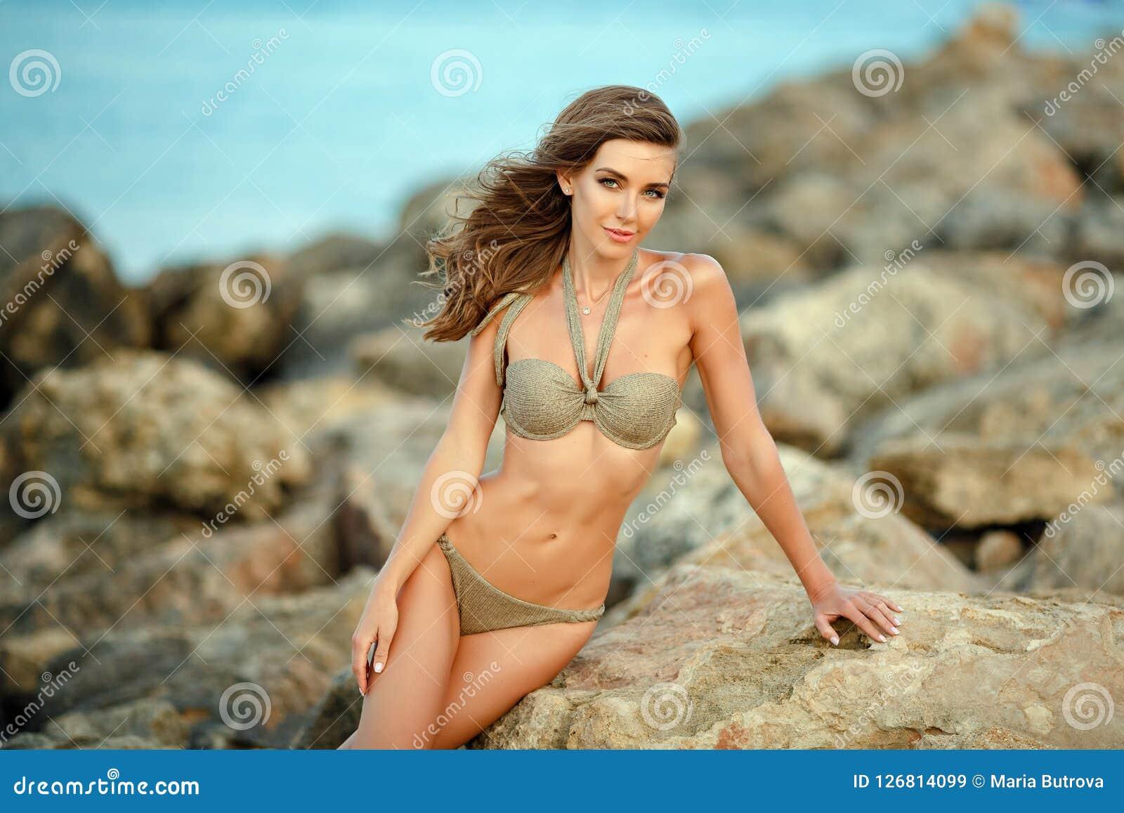 Красивая сексуальная девушка, российские девушки видео голые